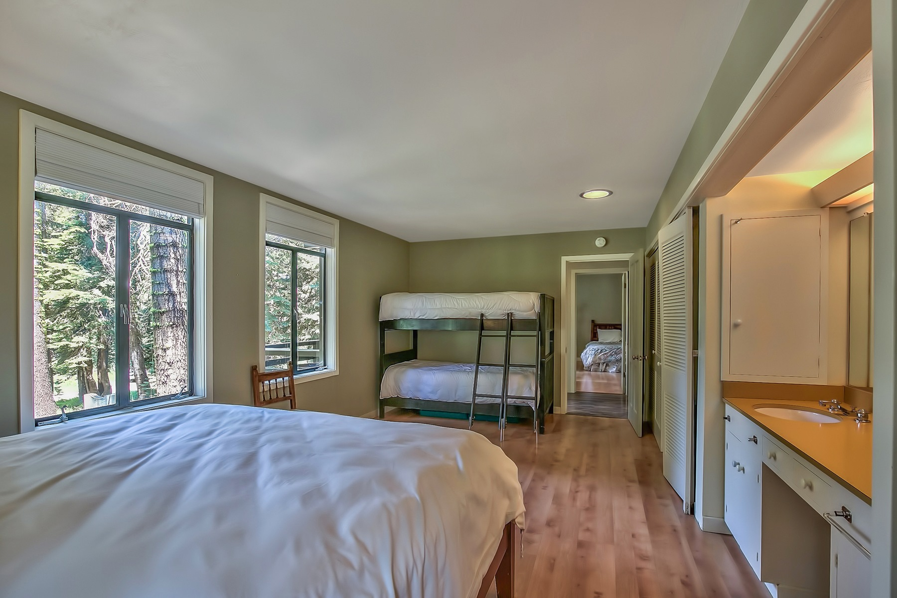 Additional photo for property listing at 1100 Mule Ears Drive  Truckee, California 96161 United States