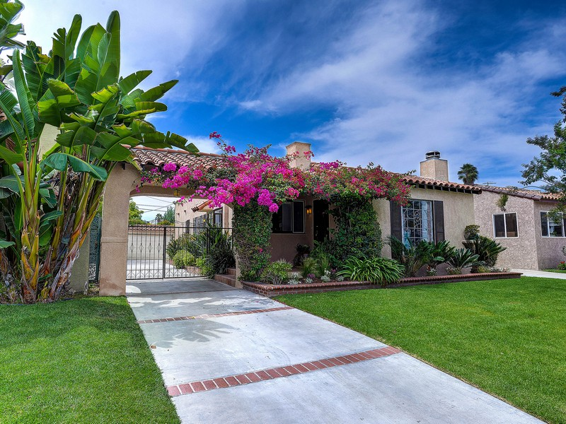 Single Family Home for Sale at 1911 S Holt Ave Los Angeles, California 90034 United States