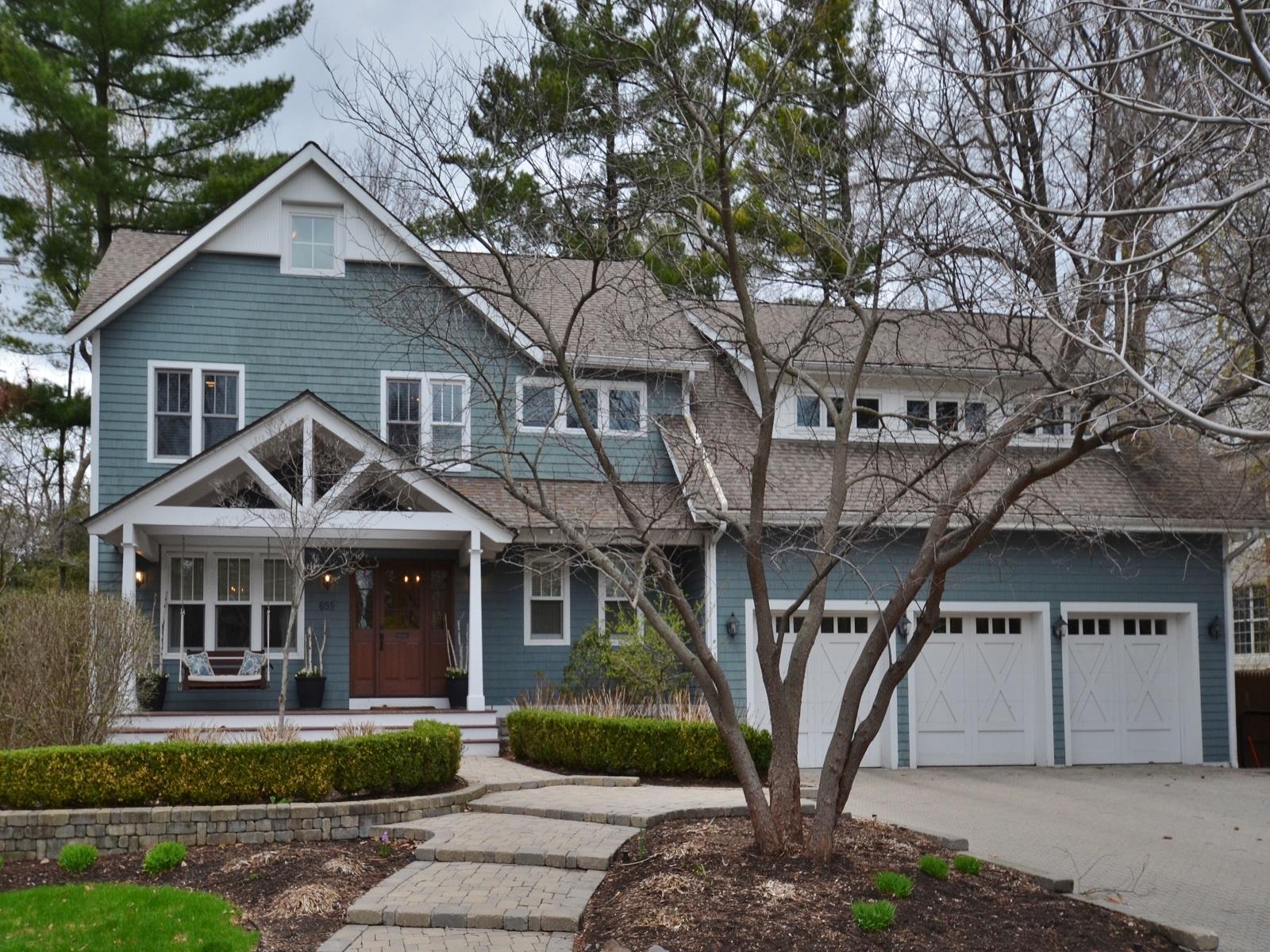 Maison unifamiliale pour l Vente à Birmingham 659 Chesterfield Avenue Birmingham, Michigan 48009 États-Unis