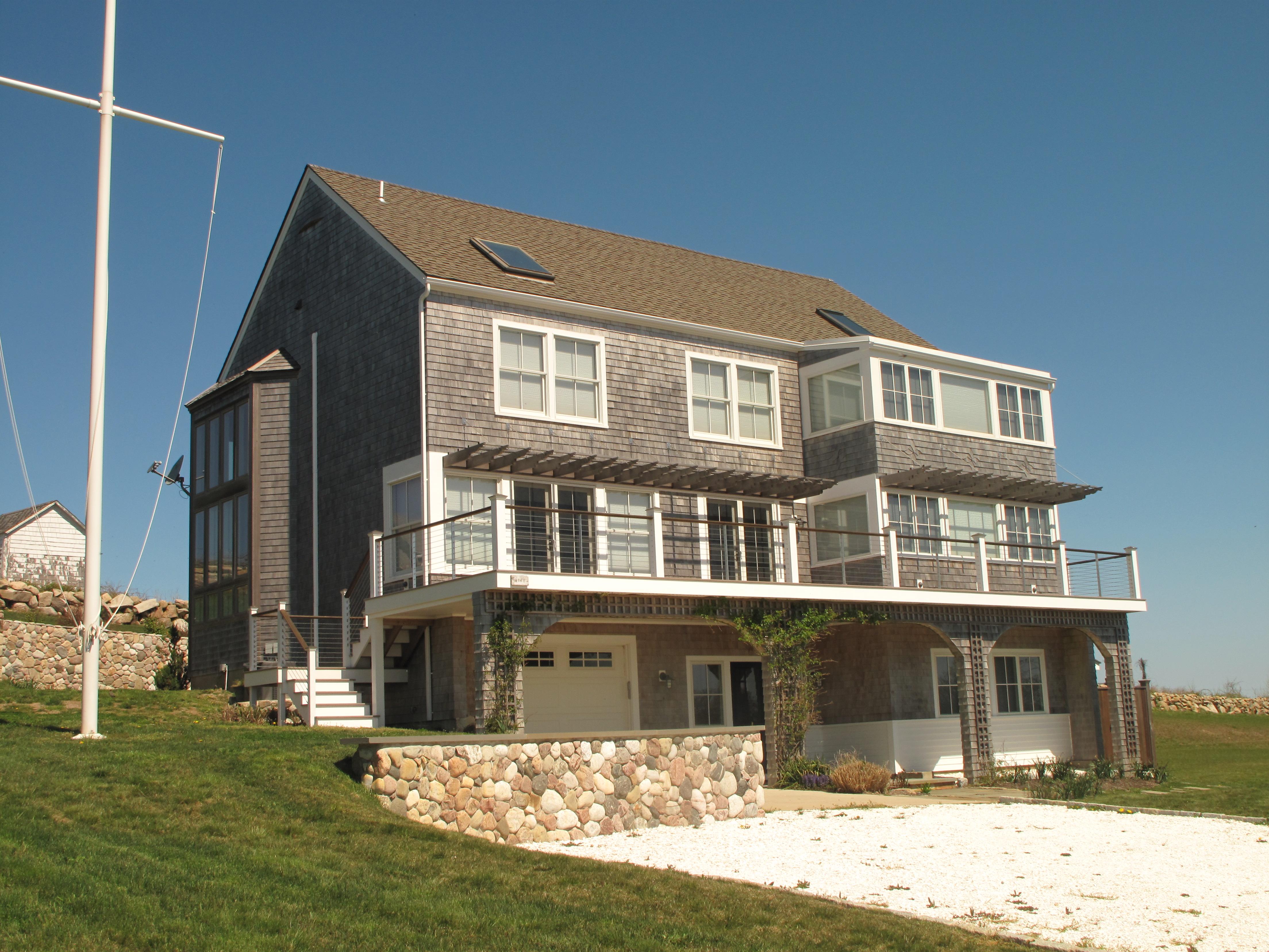 Moradia para Venda às Coastal Retreat 1178 Corn Neck Road Block Island, Rhode Island, 02807 Estados Unidos