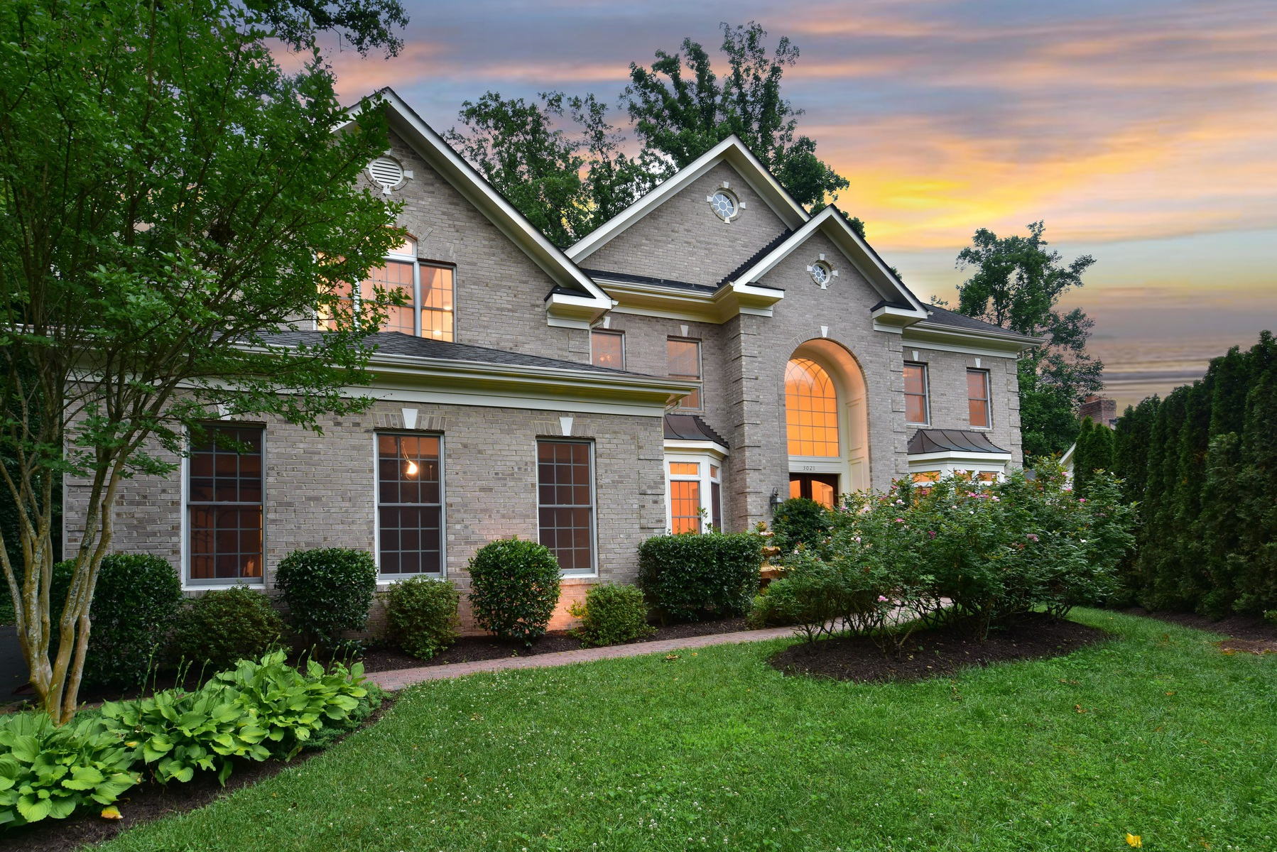 Single Family Home for Sale at Buffalo Hill 3021 Castle Rd Falls Church, Virginia 22044 United States