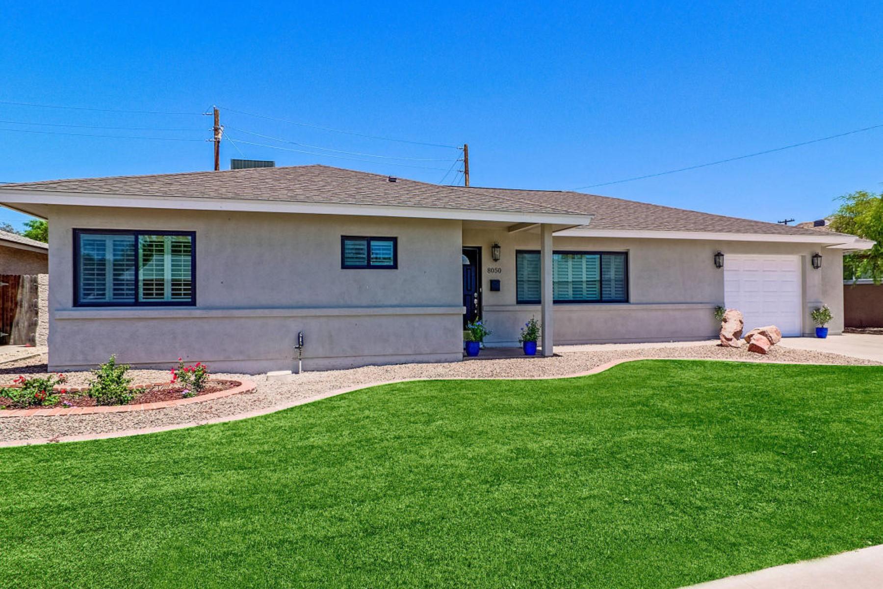 独户住宅 为 销售 在 Amazing South Scottsdale Remodel 8050 E Windsor Ave 斯科茨代尔, 亚利桑那州, 85257 美国