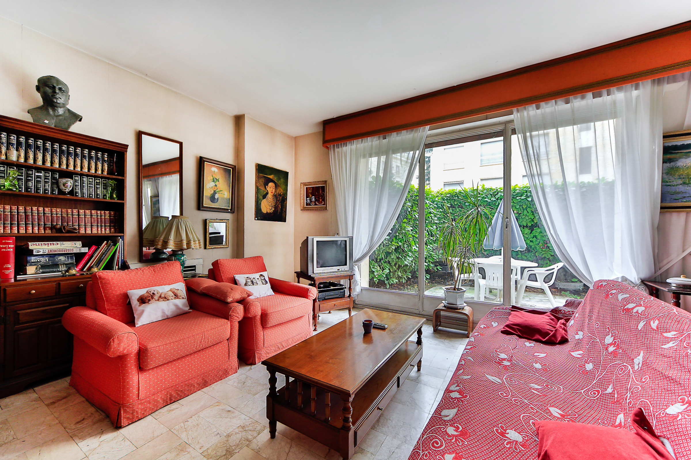 Apartment for Sale at Apartment - Sablons Neuilly, Ile-De-France 92200 France