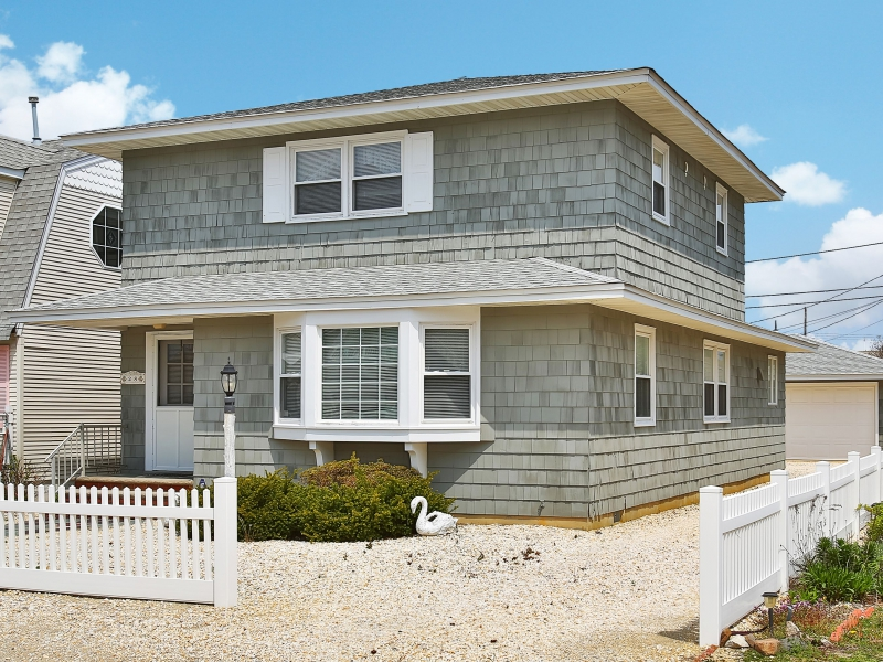 Single Family Home for Sale at Beautiful Shore Colonial 28 Plainfield Ave Lavallette, New Jersey 08735 United States