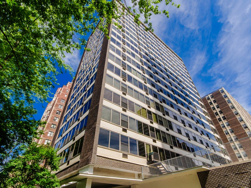 Condominium for Sale at Welcome To One Of The Most Beautiful Streets 360 West Wellington Avenue Unit 2B Lakeview, Chicago, Illinois 60657 United States