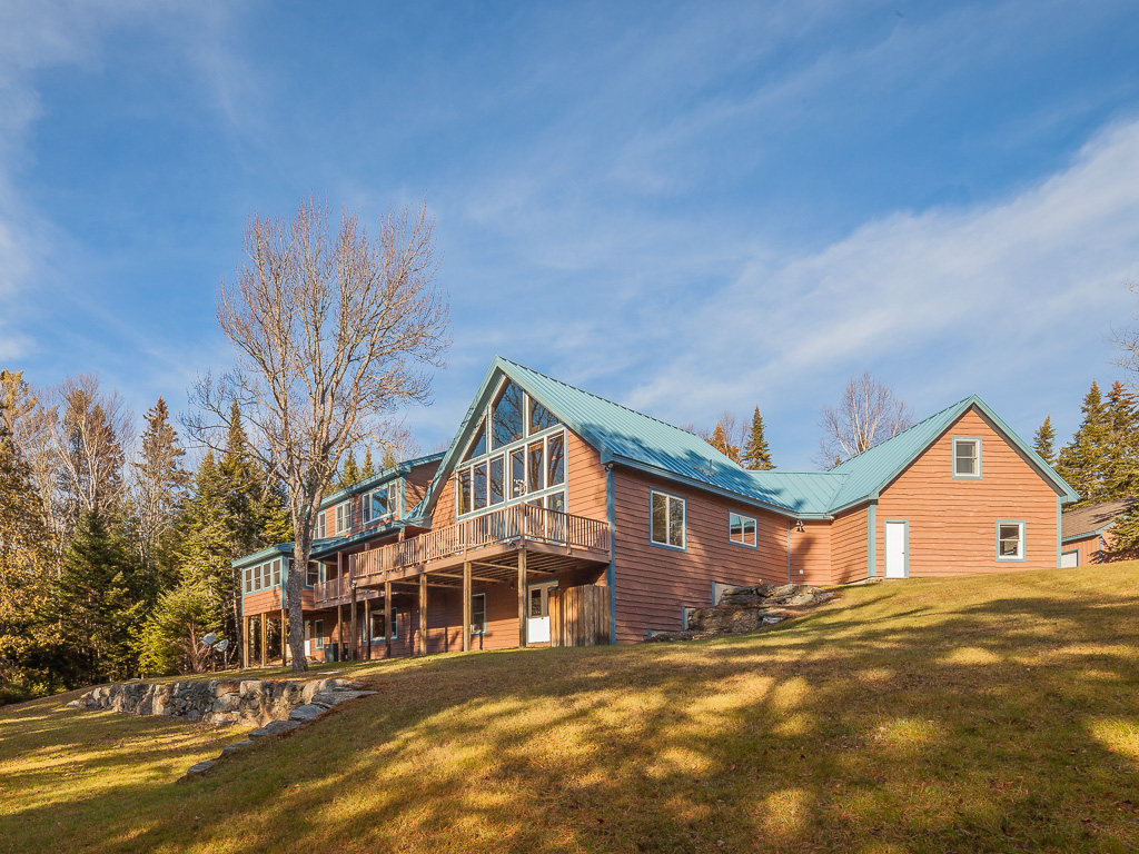 Vivienda unifamiliar por un Venta en Pleasant Island Road 201 Pleasant Island Road Rangeley, Maine, 04970 Estados Unidos