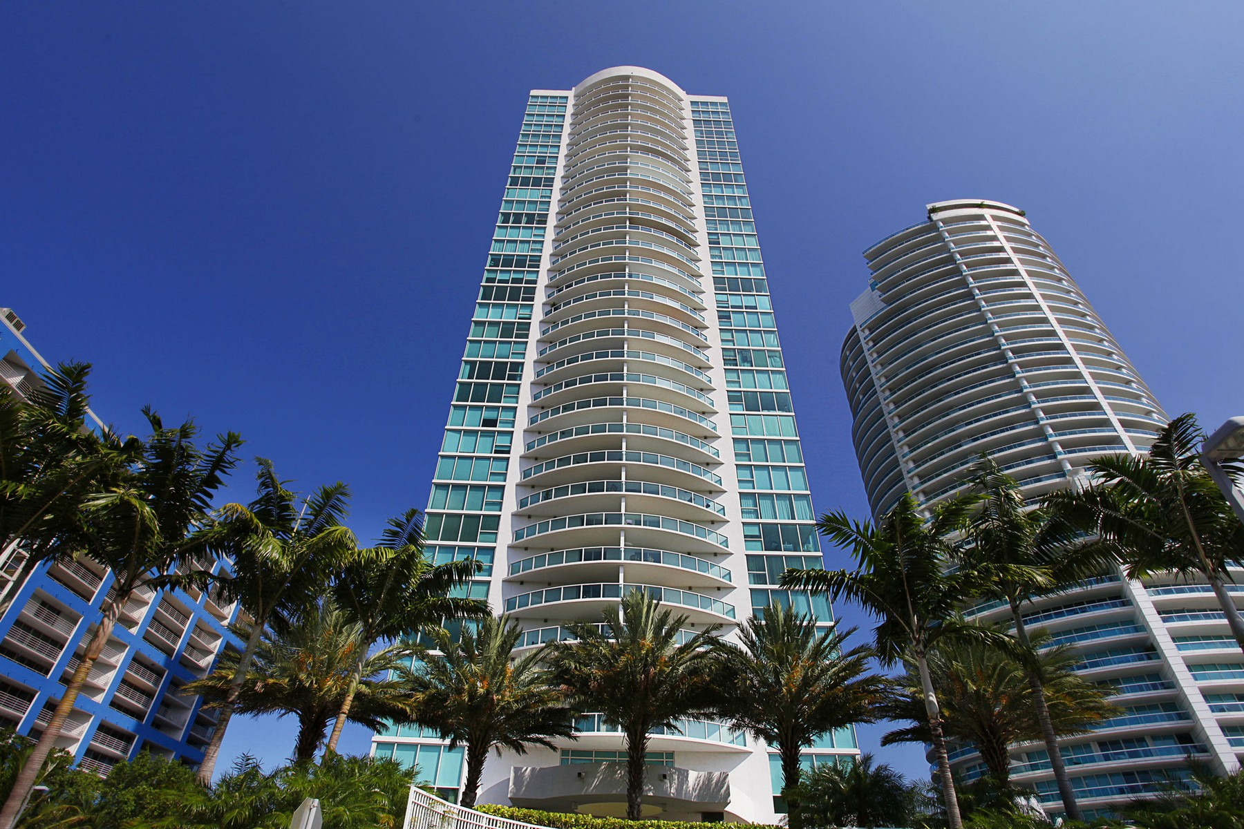 Property For Sale at 2101 Brickell Ave #3002