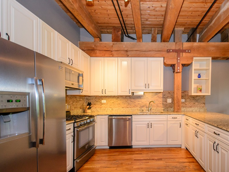 Condominium for Sale at Bucktown Timber Loft 1740 N Marshfield Avenue #17 Logan Square, Chicago, Illinois 60622 United States