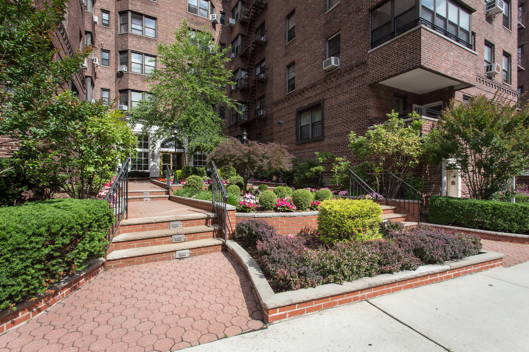 "Co-op for Sale at ""SPACIOUS FOREST HILLS APARTMENT"" 69-40 Yellowstone Boulevard, #503, Forest Hills, New York 11375 United States"