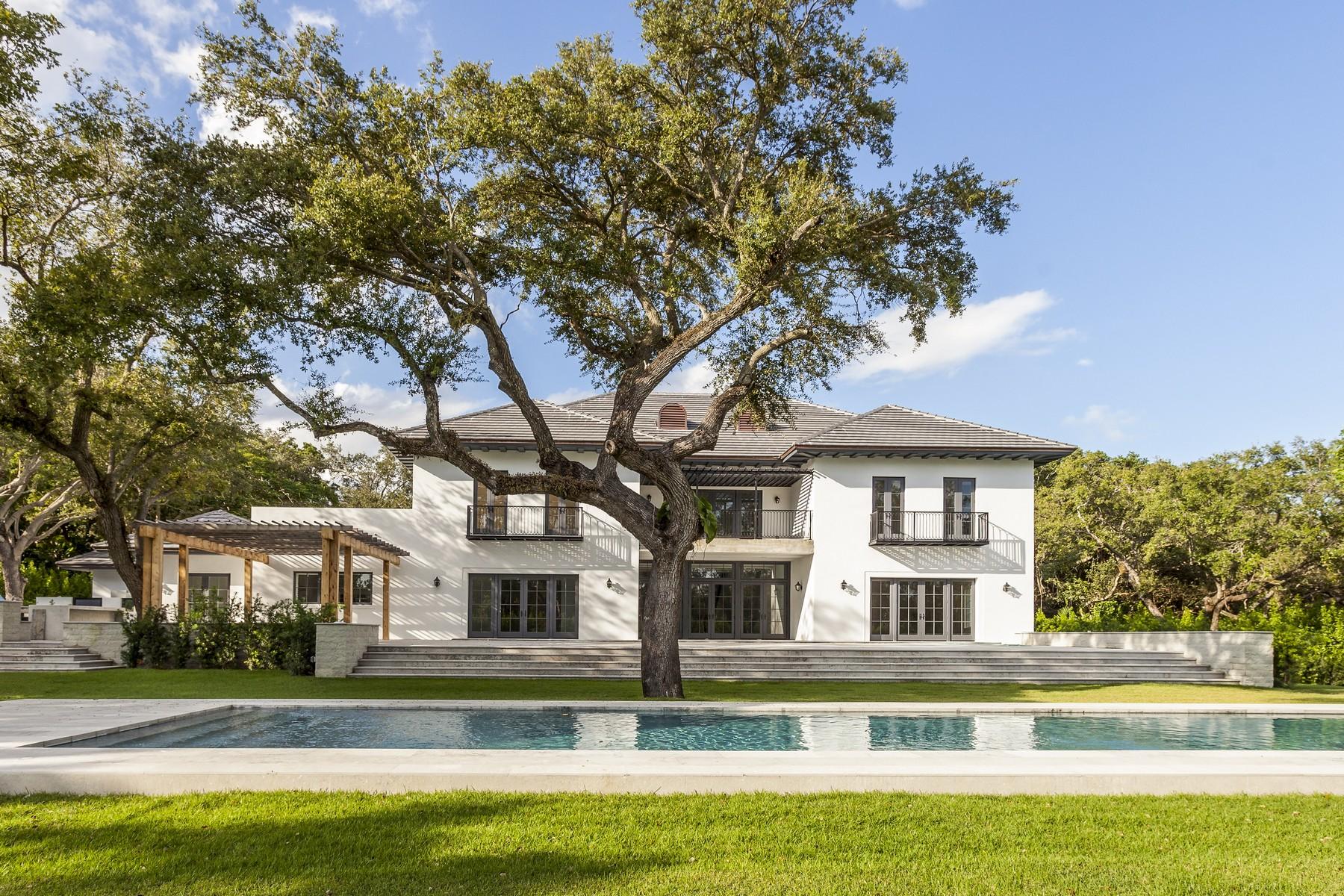 Maison unifamiliale pour l Vente à 9550 Journeys End Rd Coral Gables, Florida 33156 États-Unis