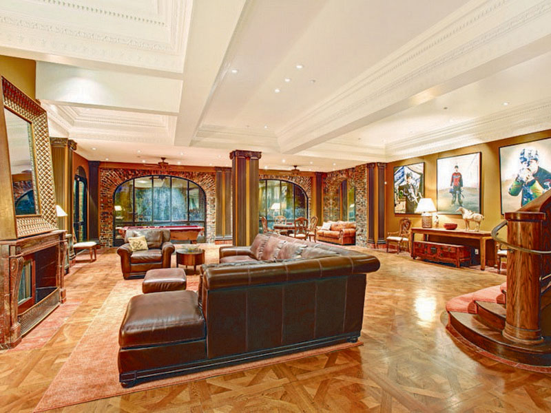 Property Of Magnificent Grand Mansion in the Heart of SF