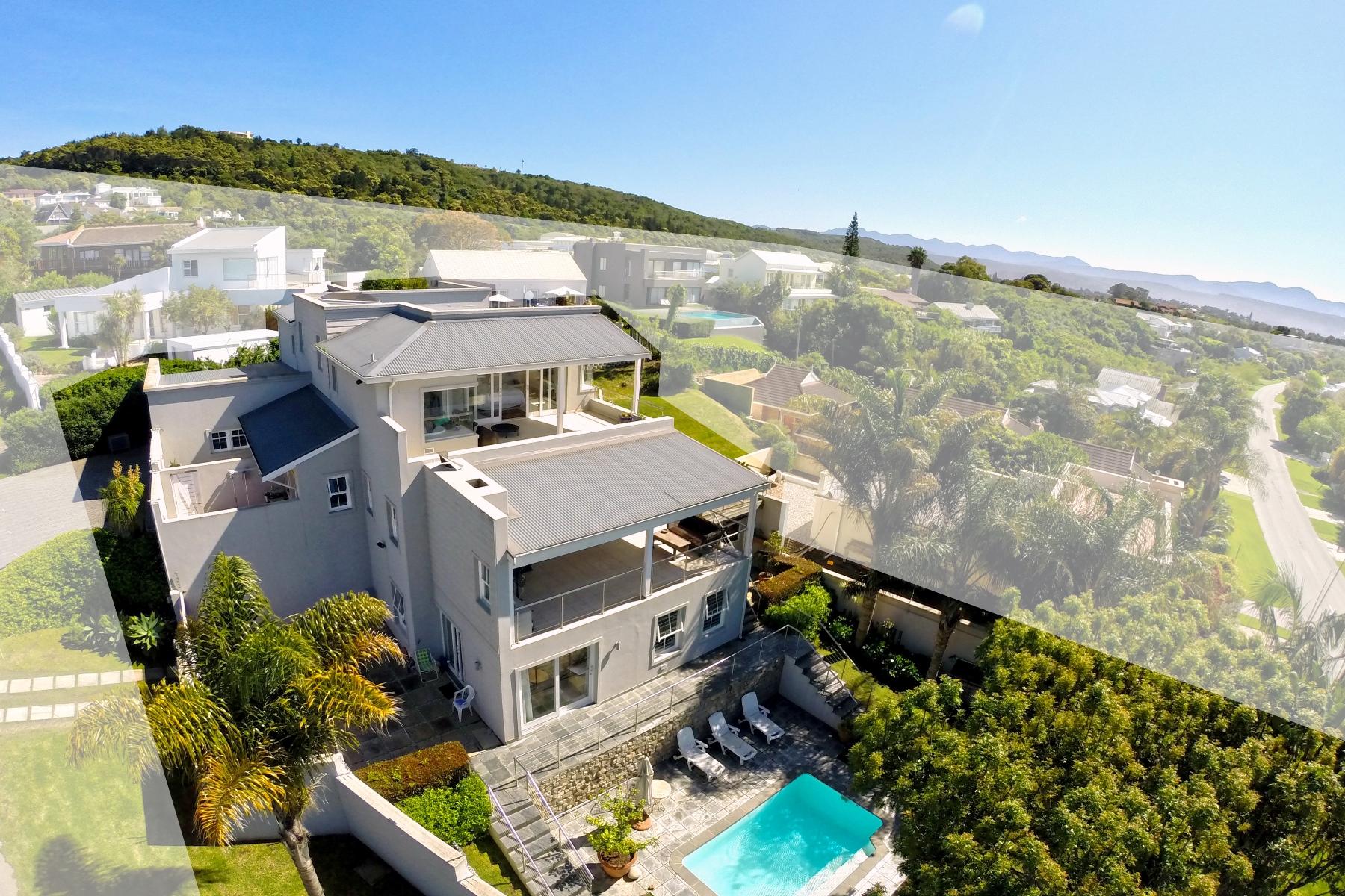 独户住宅 为 销售 在 Sea and Lagoon Views Plettenberg Bay, 西开普省 6600 南非