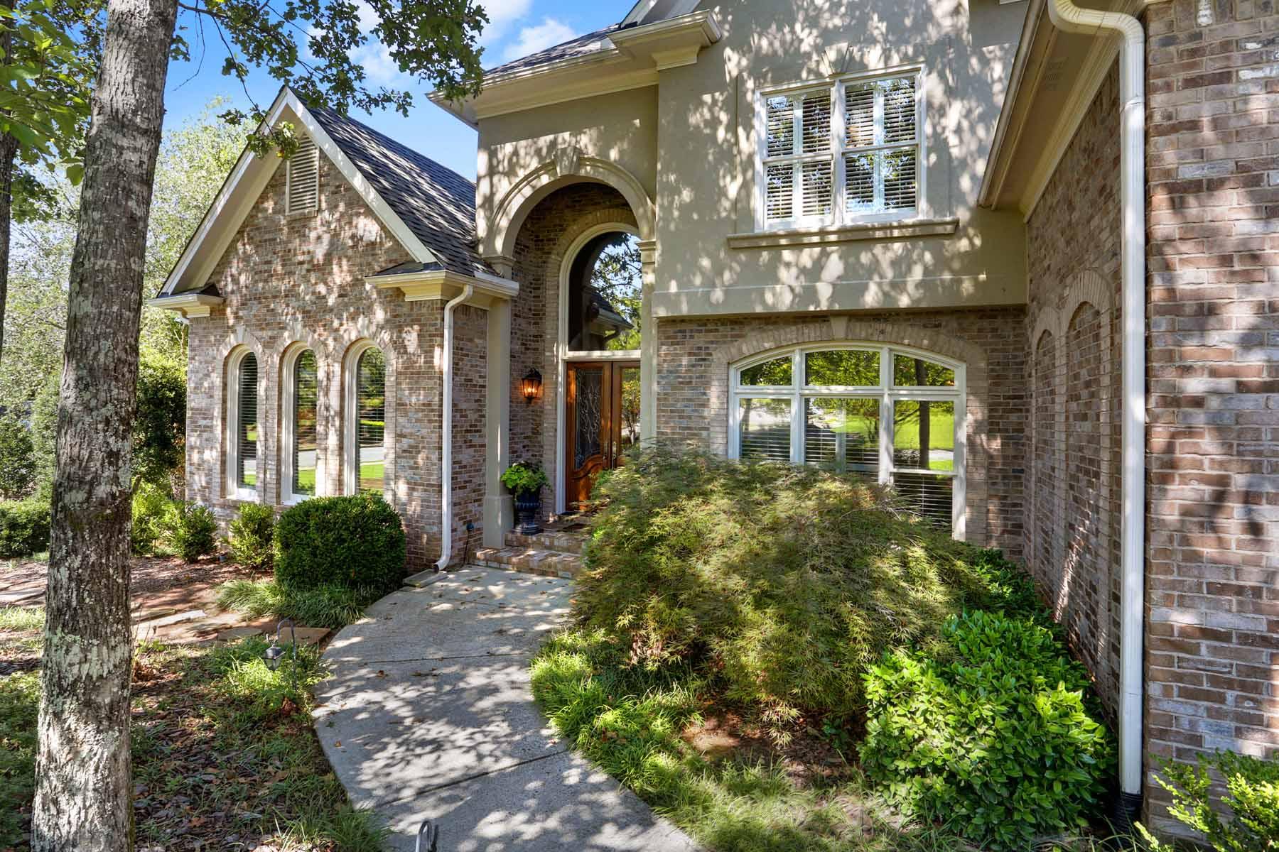 獨棟家庭住宅 為 出售 在 Absolute Perfection in The Falls of Autry Mill 100 Windlake Cove Alpharetta, 喬治亞州 30022 美國