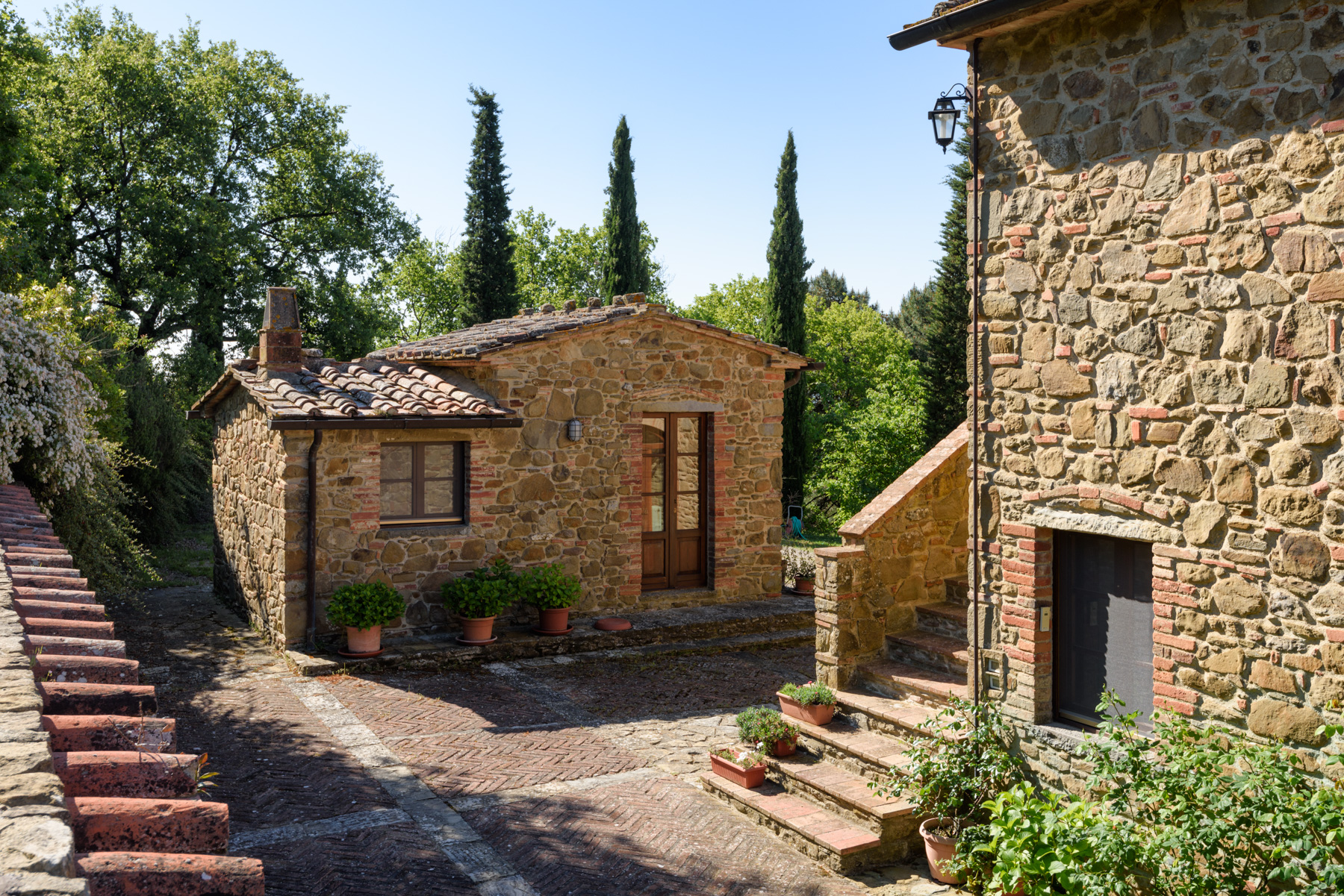Additional photo for property listing at Charming property near the Castle of Gargonza Monte San Savino, Arezzo Italie