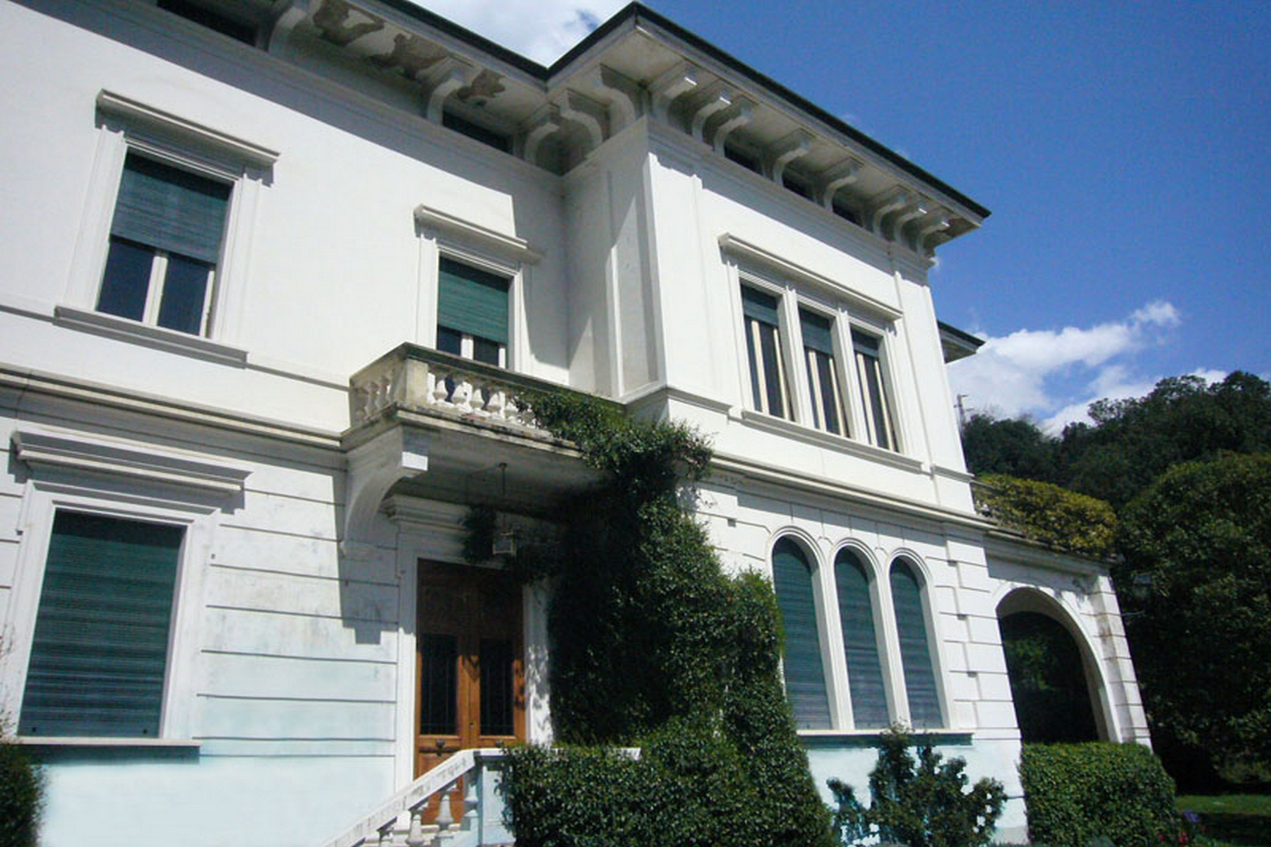 Additional photo for property listing at Beautiful villa to be restored Bagni Di Lucca, Lucca Italy