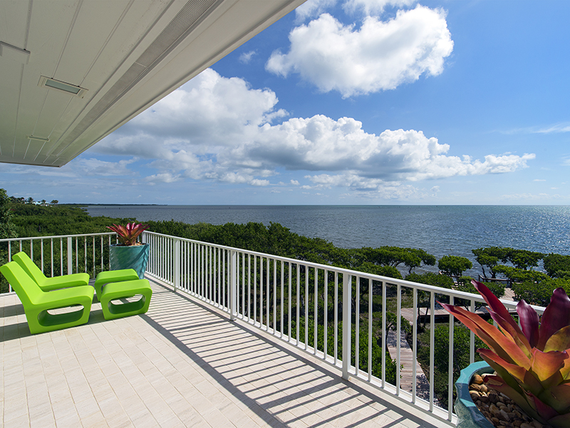 Maison unifamiliale pour l Vente à Captivating Ocean Front Views at Ocean Reef 15 Sunrise Cay Drive Ocean Reef Community, Key Largo, Florida 33037 États-Unis