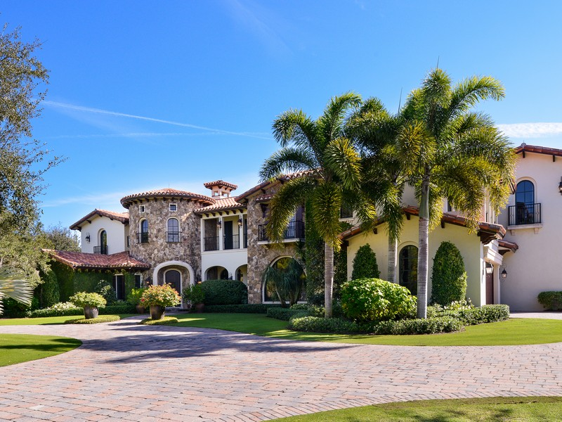 Single Family Home for Sale at 209 Bear's Club Drive at The Bear's Club Jupiter, Florida 33477 United States