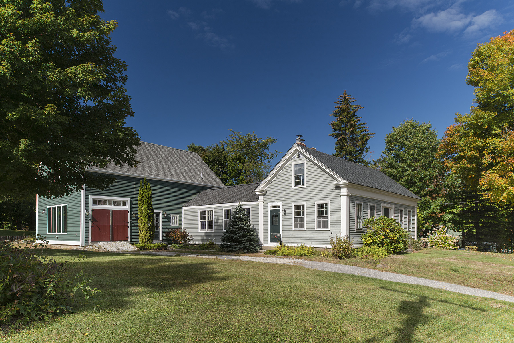 Single Family Home for Sale at 125 Pleasant Street Yarmouth, Maine, 04096 United States