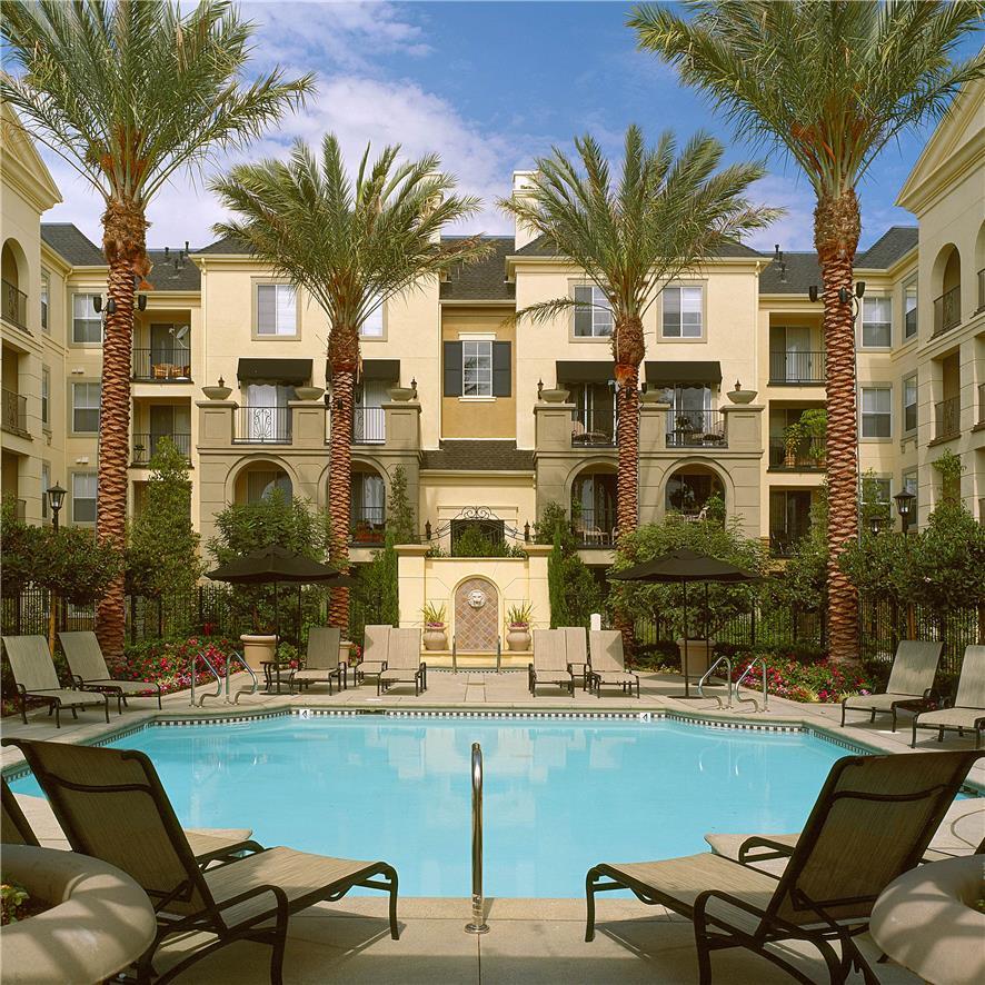 Кооперативная квартира для того Продажа на 2103 Watermarke Place Irvine, Калифорния 92612 Соединенные Штаты