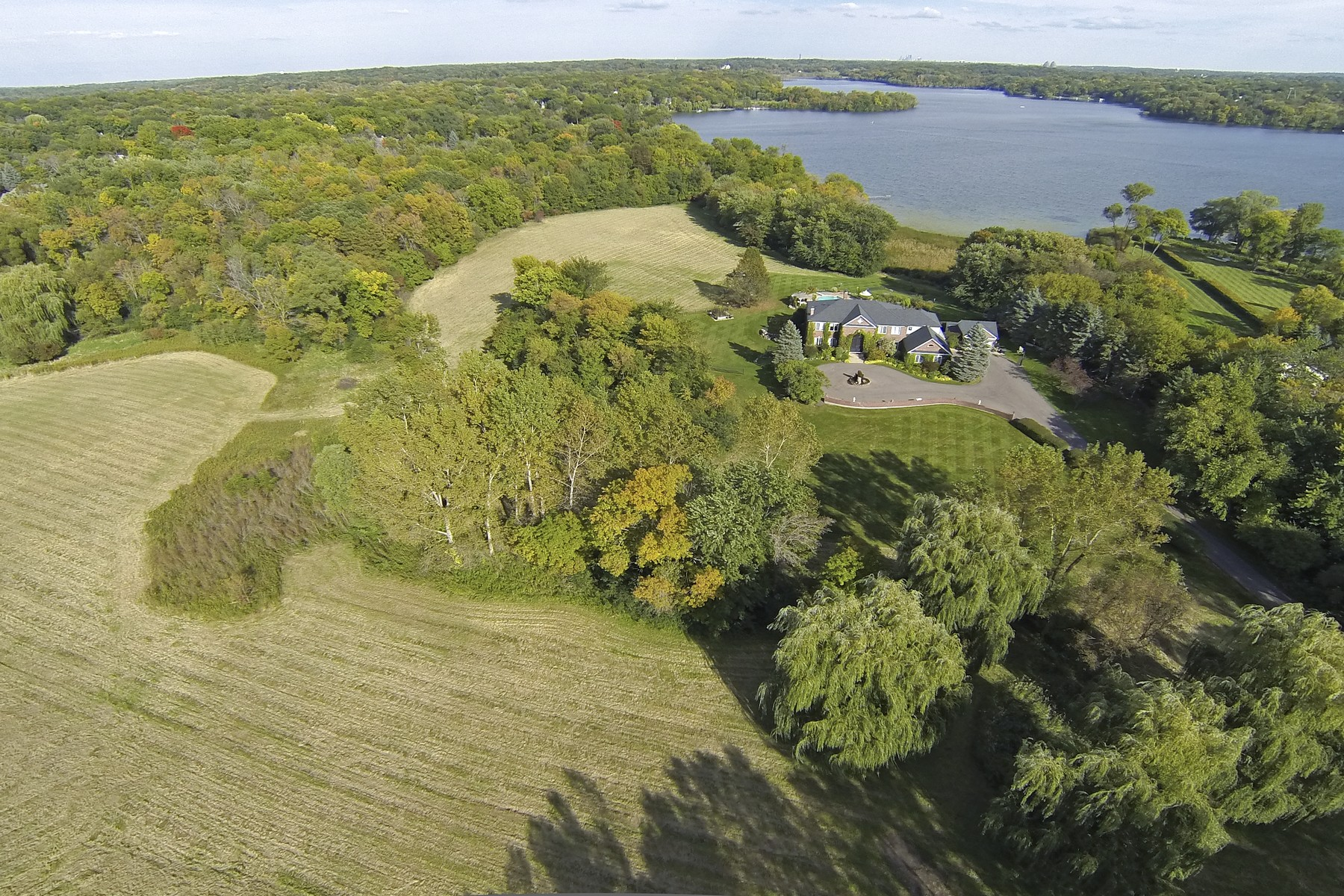 Villa per Vendita alle ore 690 N Brown Road Long Lake, Minnesota 55356 Stati Uniti