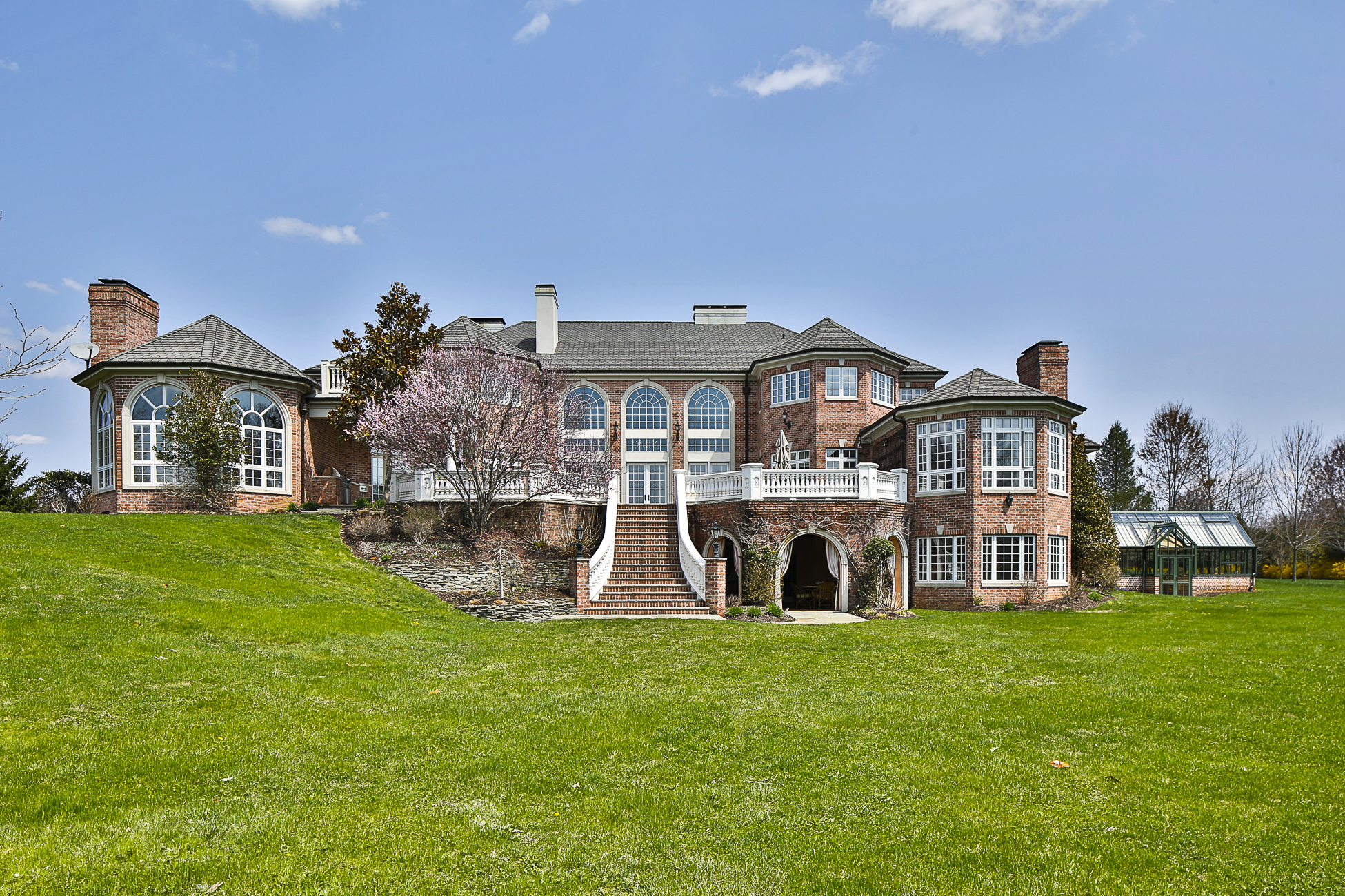 独户住宅 为 销售 在 Inspired Elegance - Montgomery Township 1014 Cherry Hill Road Princeton, 新泽西州 08540 美国
