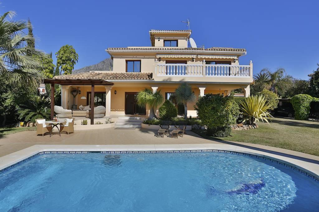 Vivienda unifamiliar por un Venta en Nice villa in Golden Mile Rocio Nagüeles Marbella, Costa Del Sol 29600 España