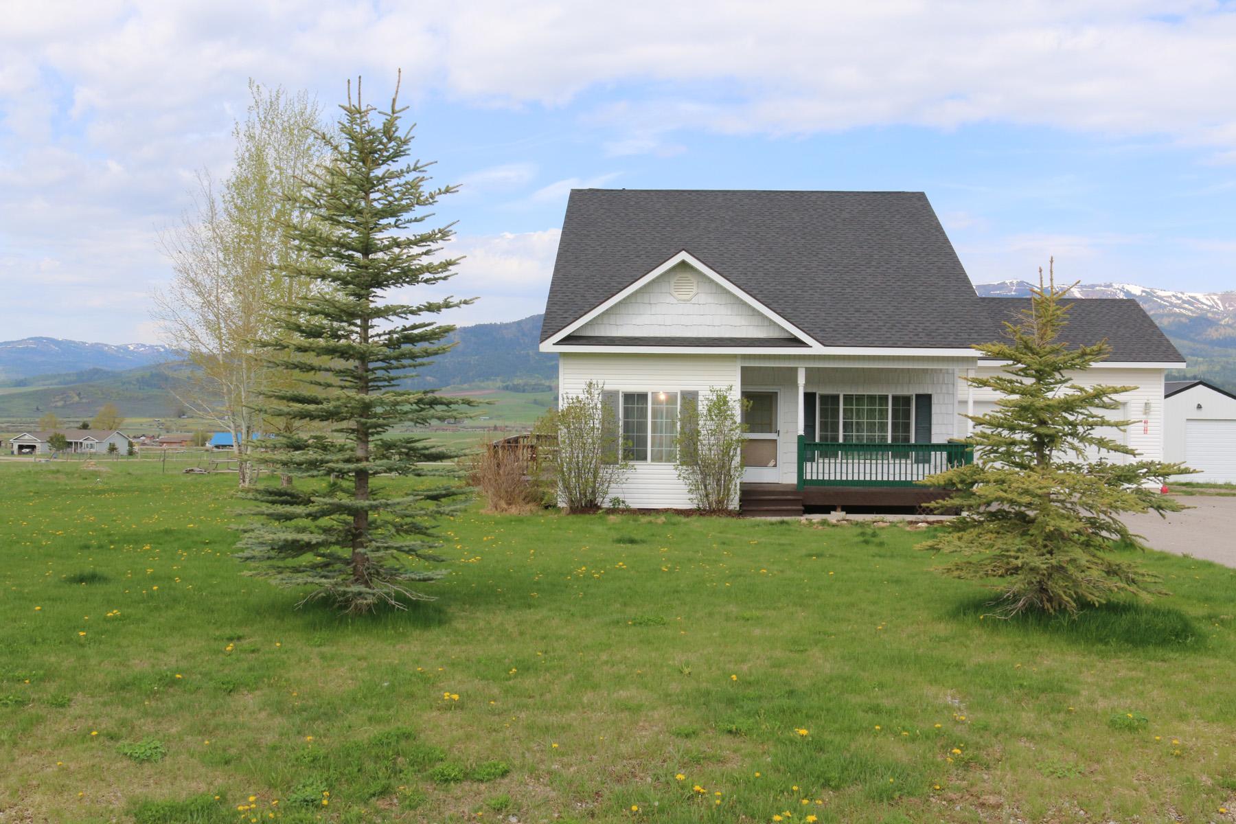 Nhà ở một gia đình vì Bán tại Nordic Ranches Home with Horse Set-Up 1296 Saddle Drive Etna, Wyoming 83118 Hoa Kỳ