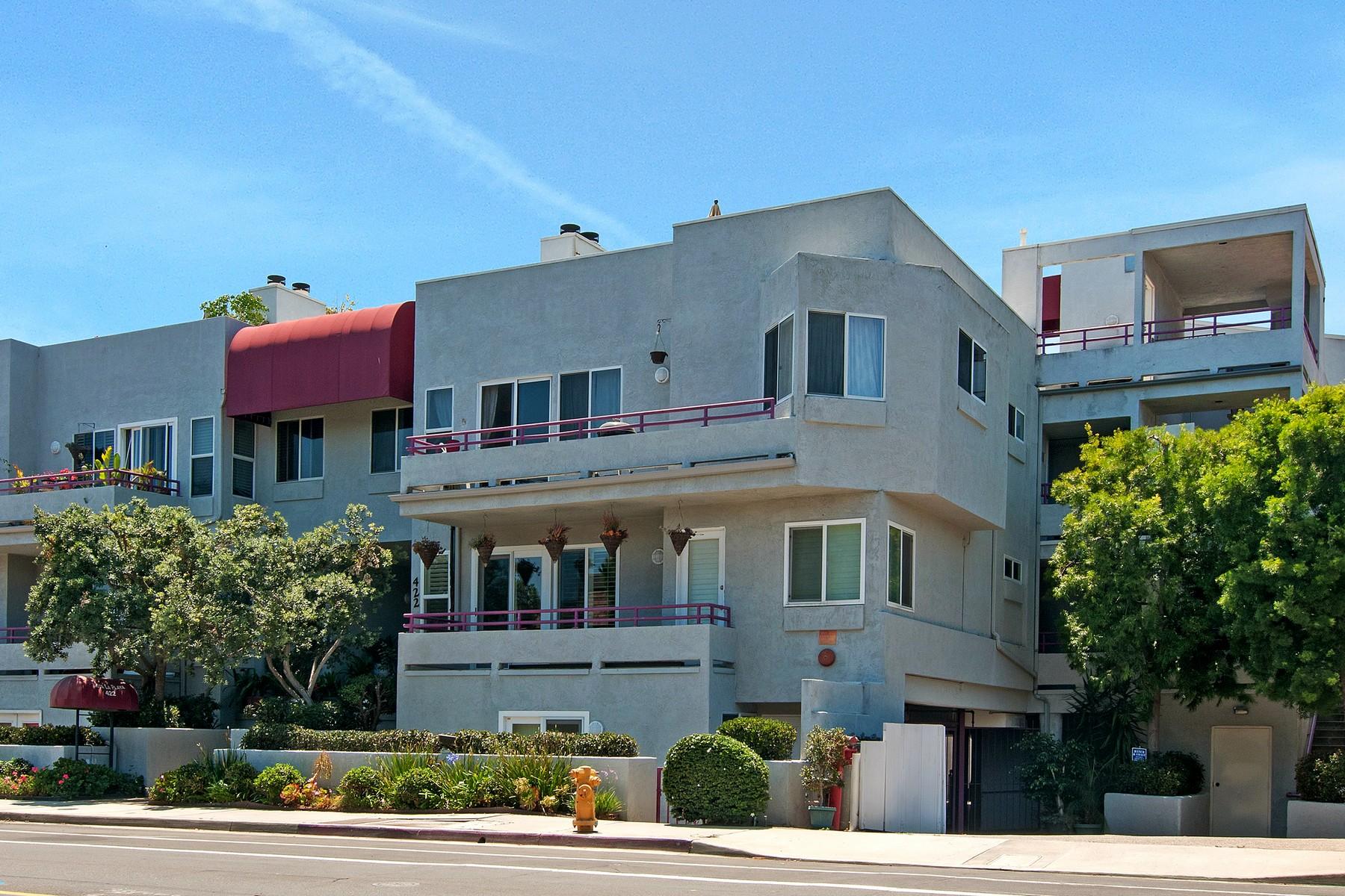 sales property at 422 Rosecrans Street