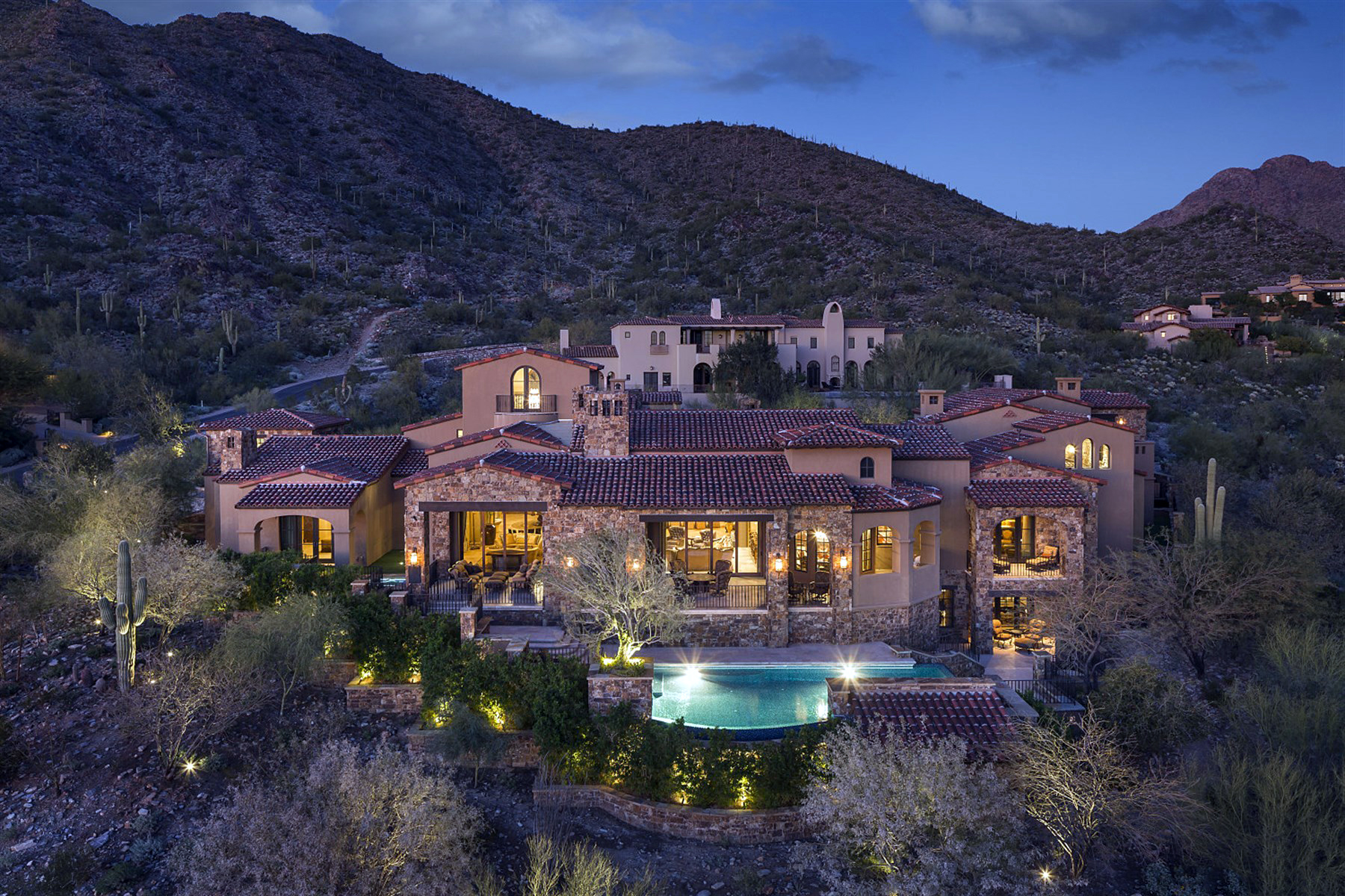 Частный односемейный дом для того Продажа на Exquisite European Manor in The Exclusive Upper Canyon at Silverleaf 20913 N 104th Street #1488 Scottsdale, Аризона 85255 Соединенные Штаты
