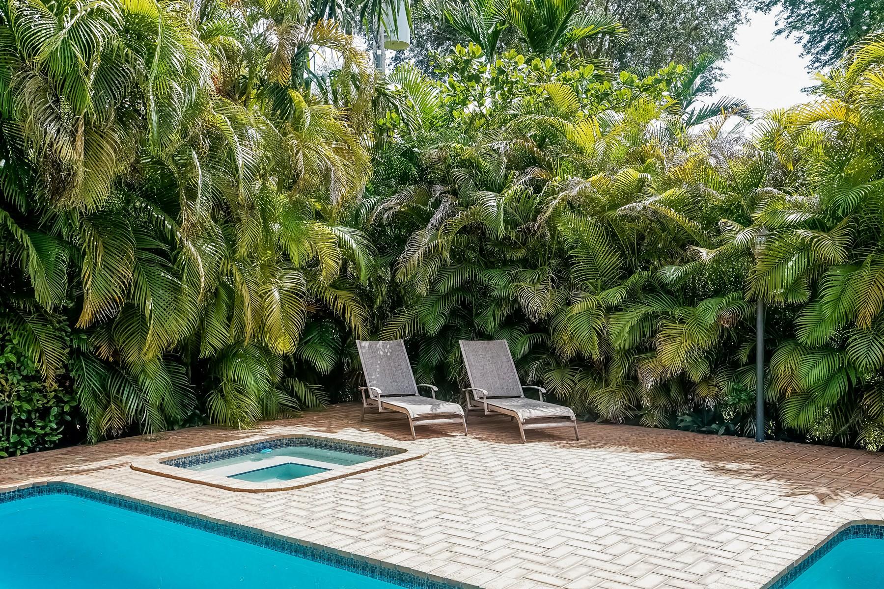 Casa para uma família para Venda às 1421 Sorolla Ave Coral Gables, Florida 33134 Estados Unidos