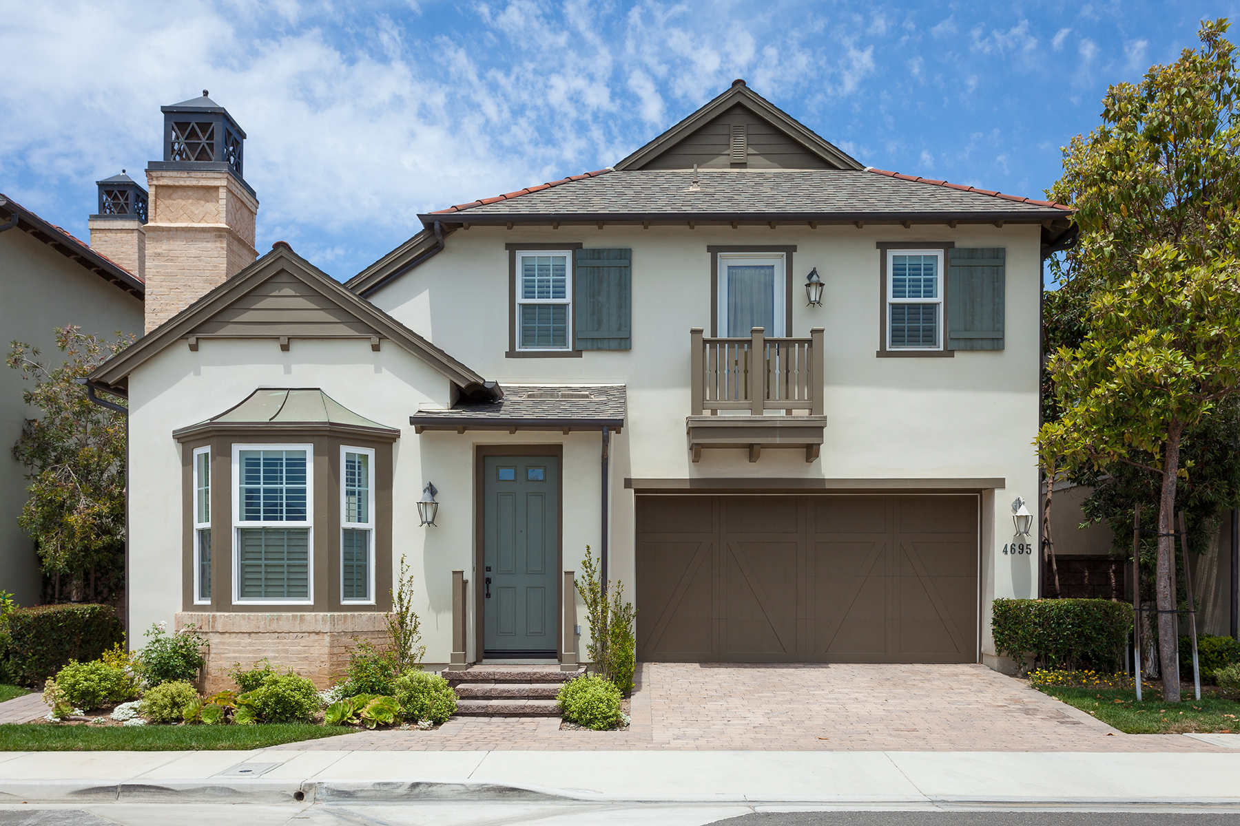 獨棟家庭住宅 為 出售 在 4695 Winthrop Dr Huntington Beach, 加利福尼亞州 92649 美國