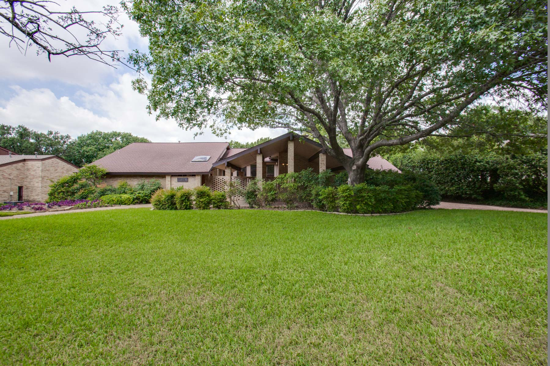 sales property at Beautiful Home Located Minutes Away from Sherrill Park Golf Course