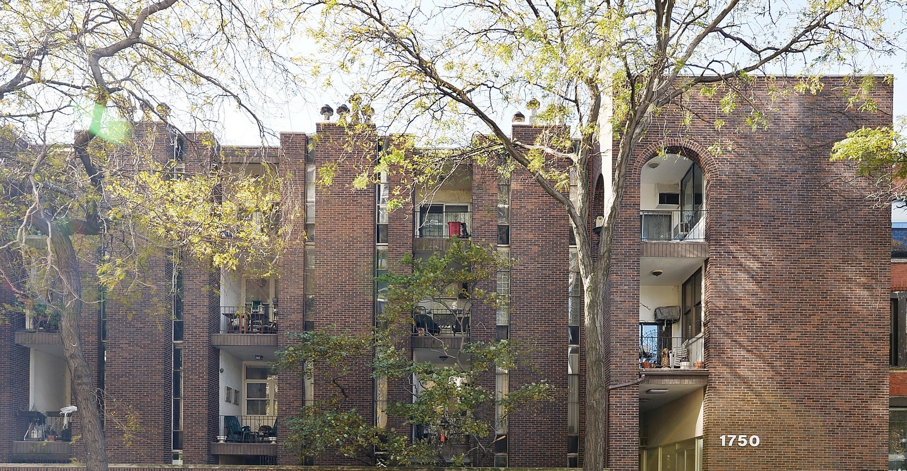 Eigentumswohnung für Verkauf beim Old Town Condo 1750 N Wells Street Unit 101 Near North Side, Chicago, Illinois 60610 Vereinigte Staaten