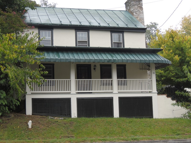 Single Family Home for Sale at Berryville 118 Buckmarsh St Berryville, Virginia 22611 United States