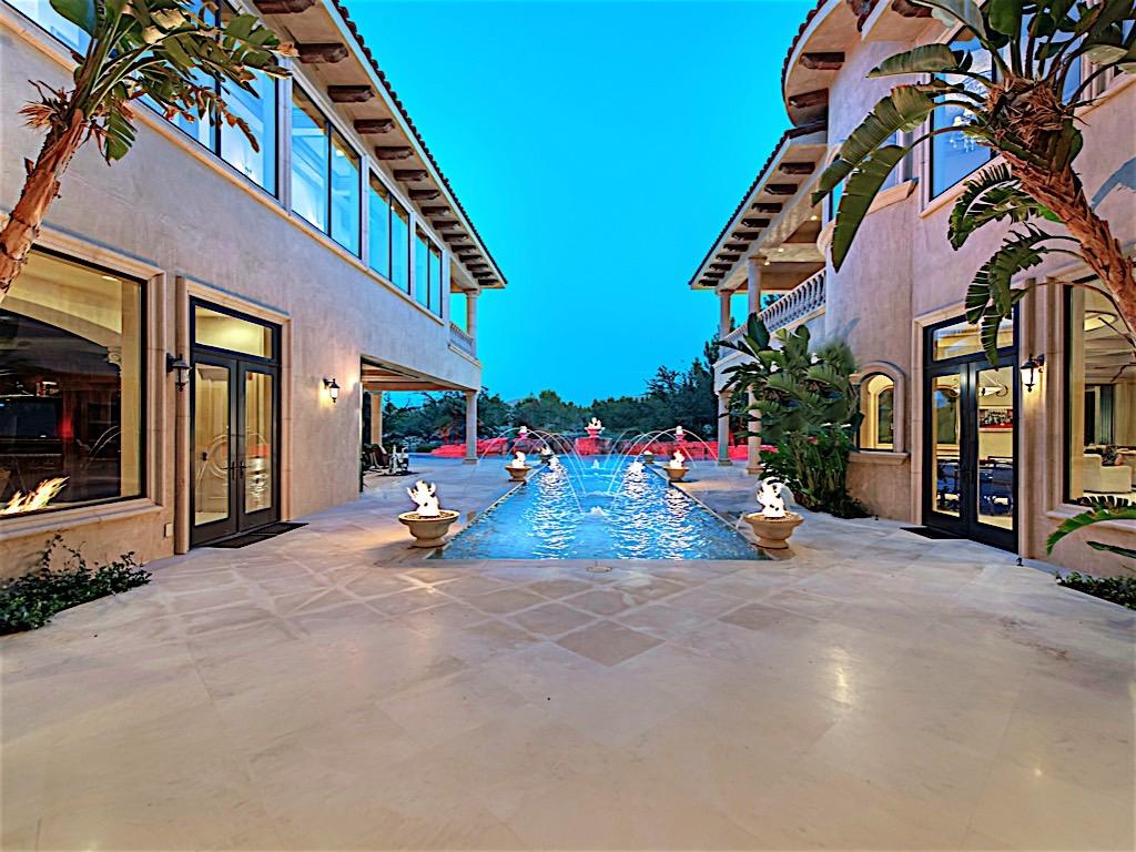 Maison unifamiliale pour l Vente à 27 Eagles Landing Ln Las Vegas, Nevada, 89141 États-Unis