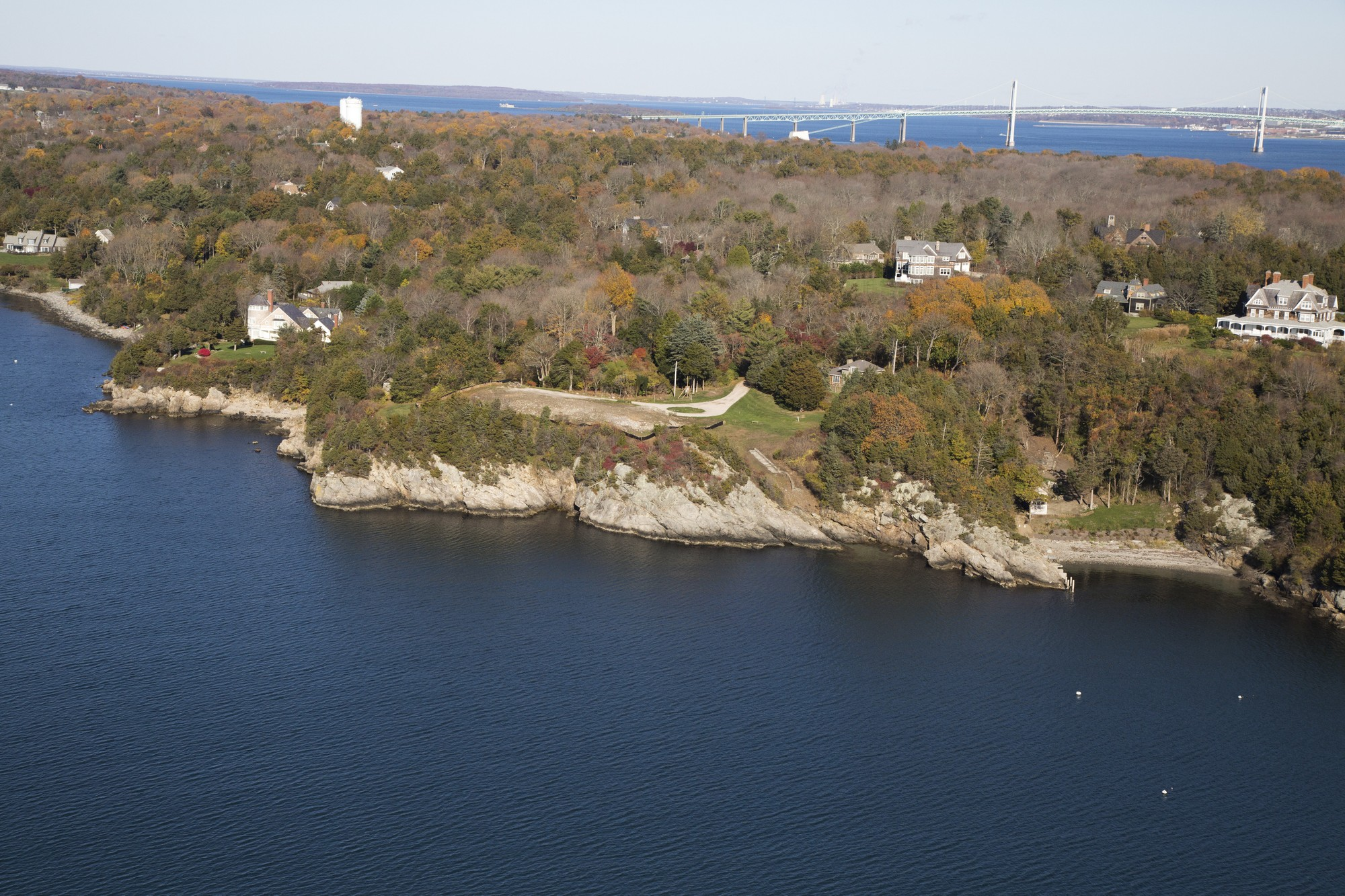 Terreno por un Venta en Oceanfront Site on Mackerel Cove 196 Highland Drive Jamestown, Rhode Island 02835 Estados Unidos
