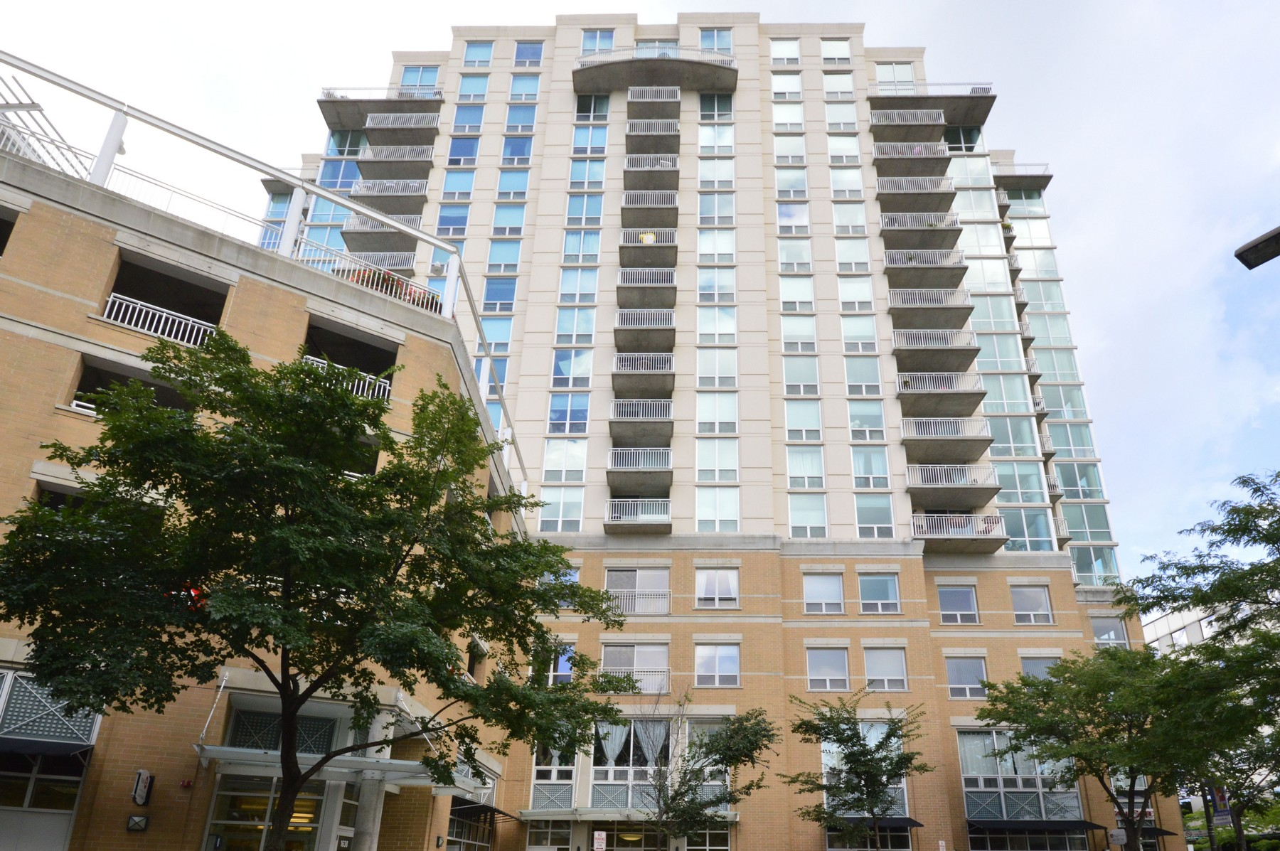 sales property at Updated Evanston Condo