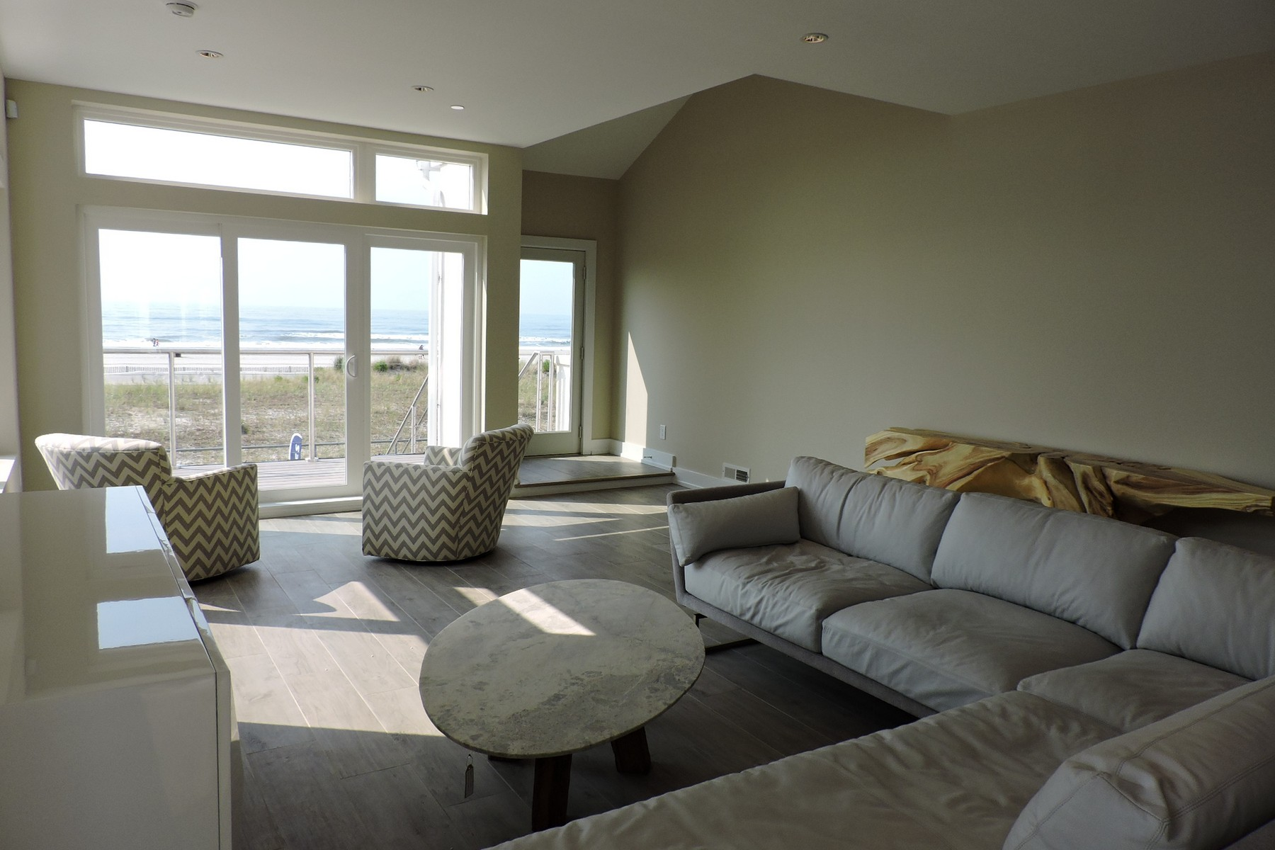 Maison unifamiliale pour l Vente à 5206 Boardwalk Unit 1 Ventnor City, New Jersey 08406 États-Unis