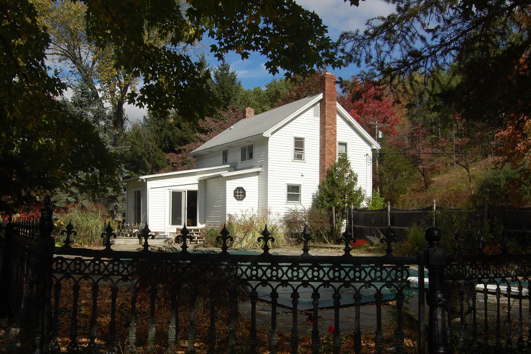 Single Family Home for Sale at I'm a little bit country... 669 Fischer Road Kinderhook, New York 12016 United States
