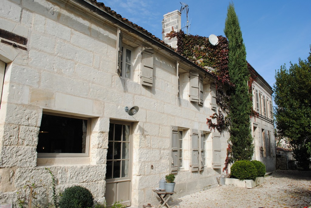 Other Residential for Sale at Maison de Maître Other Poitou-Charentes, Poitou-Charentes 17100 France