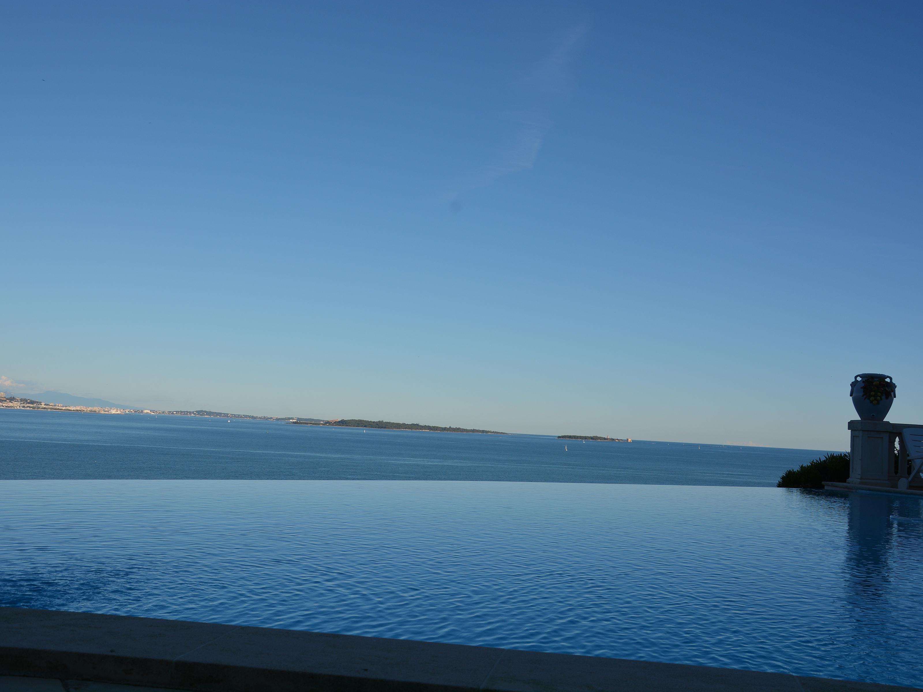 Villa per Vendita alle ore Large Waterfront Estate on the Bay of Cannes Théoule sur Mer Theoule Sur Mer, Provenza-Alpi-Costa Azzurra 06590 Francia