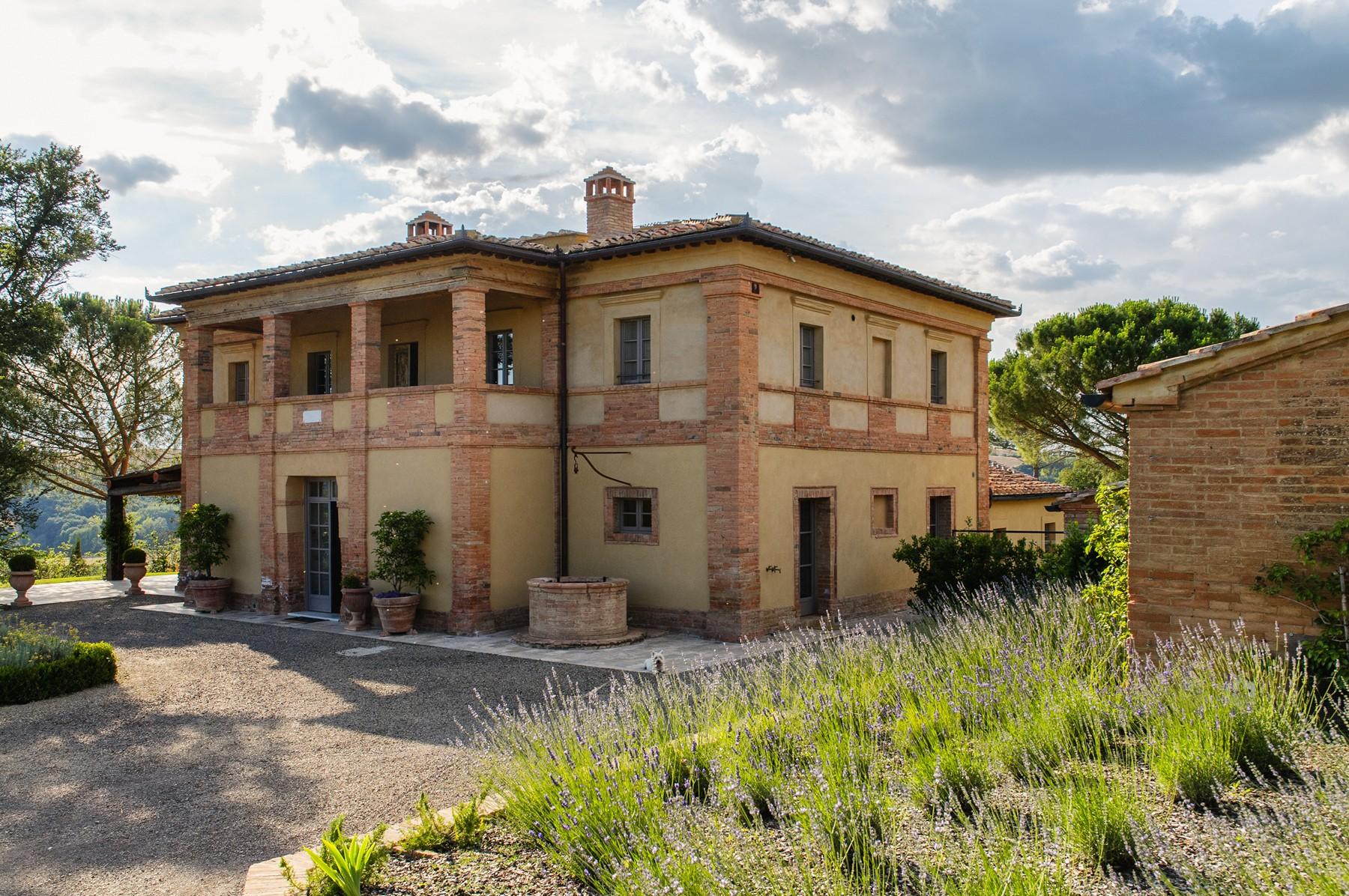 Vivienda unifamiliar por un Venta en Outstanding country estate near Buonconvento Other Siena, Siena Italia