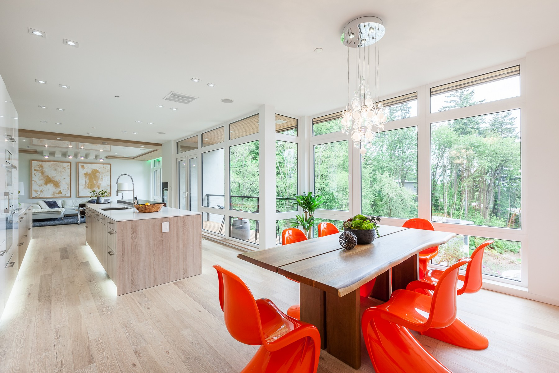Single Family Home for Sale at Visually Distinct Modern 6520 NE 129th St Kirkland, Washington, 98034 United States