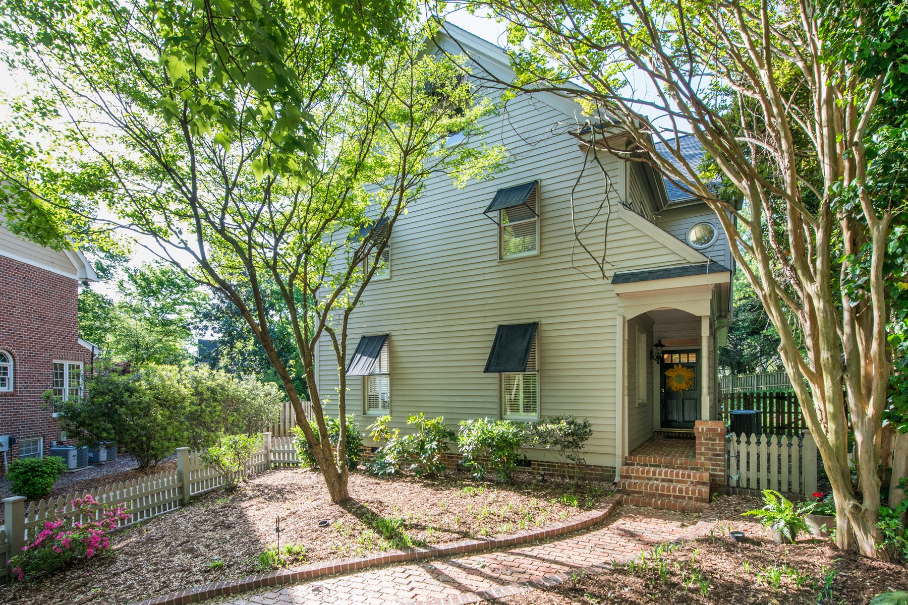 Single Family Home for Sale at Anderson Craftsman 325 Shaftsberry Court Raleigh, North Carolina 27609 United States