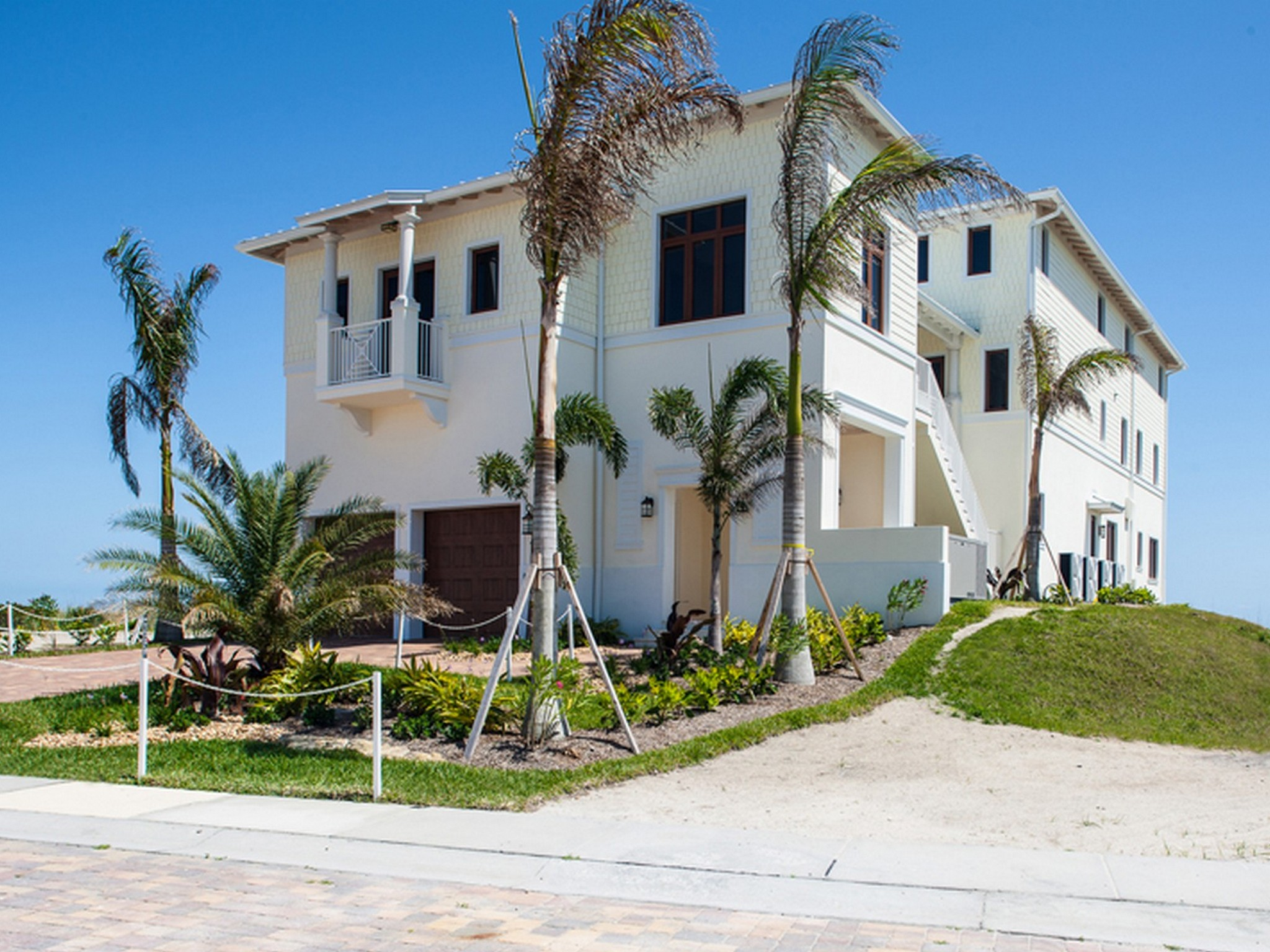 Property Of Extraordinary Avalon Beach Oceanfront Home with Elevator