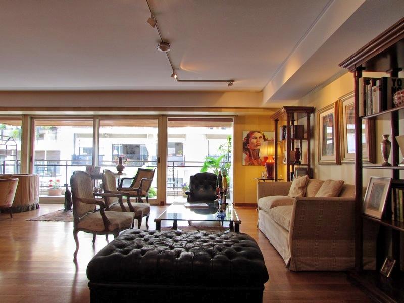 Apartamento por un Venta en Dapartamento en Recoleta - Quintana 0 Recoleta, Buenos Aires, Buenos Aires Argentina