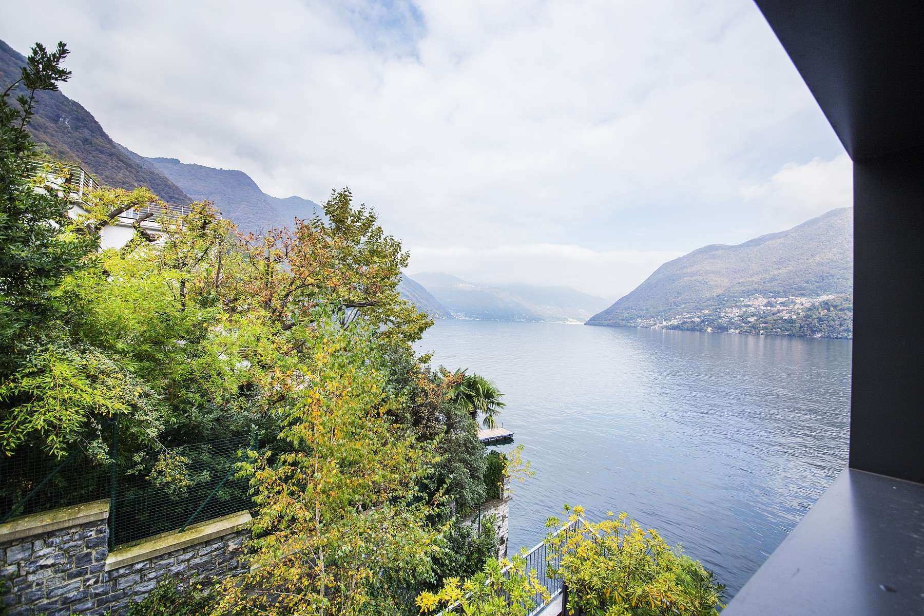 Additional photo for property listing at Wonderful apartment in new building on Lake Como Via Nuova Regina Laglio, Como 22010 Italia