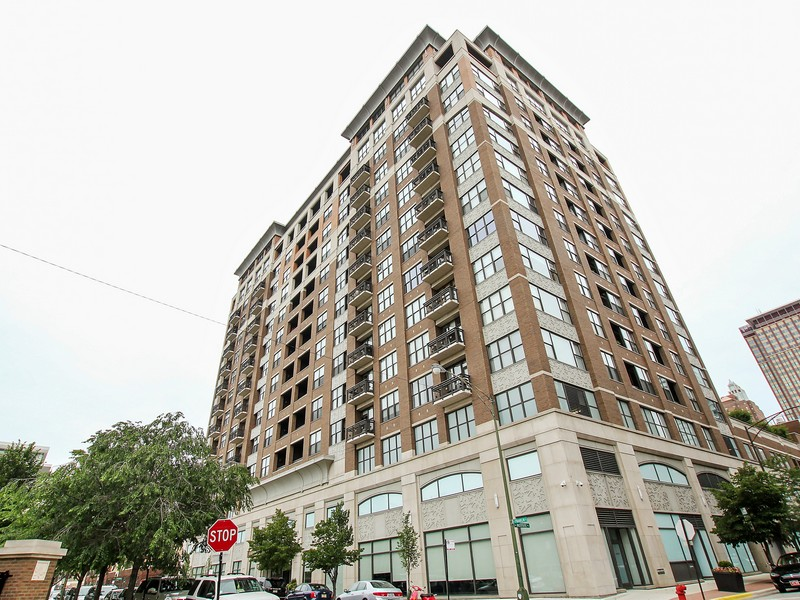 Condominium for Sale at Incredible Hot River North High-End Condo 849 N Franklin Street #419 Near North Side, Chicago, Illinois 60610 United States