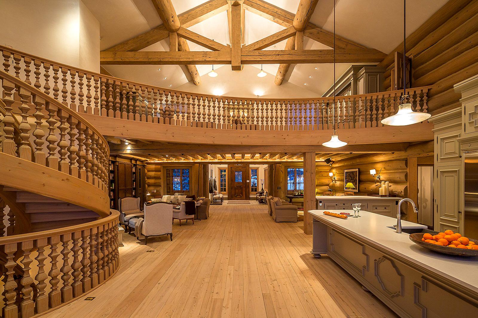 Property Of European Style Estate, 427 Benchmark