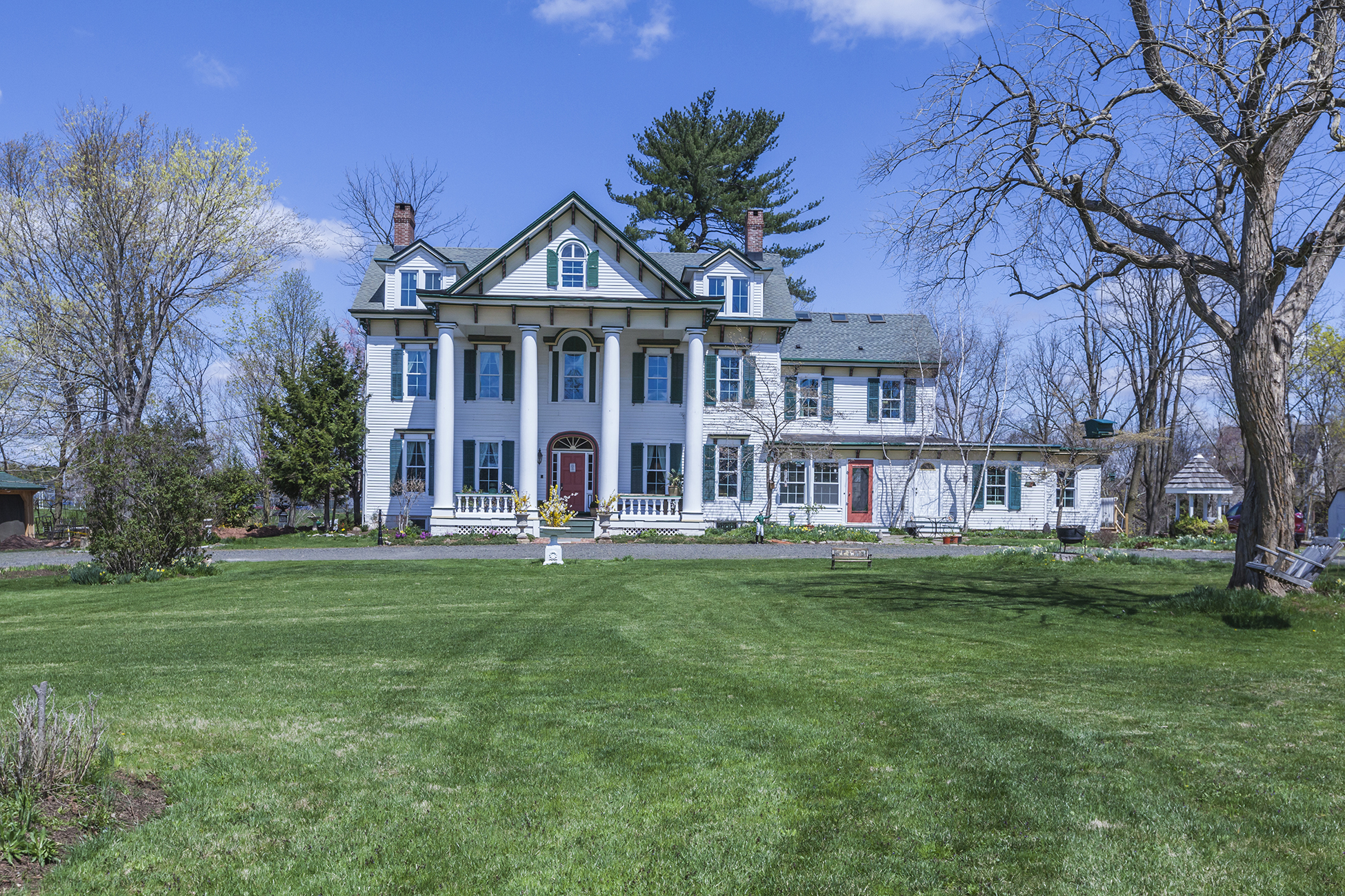 Additional photo for property listing at The Voorhees Homestead 385 Homestead Road Hillsborough, New Jersey 08844 États-Unis